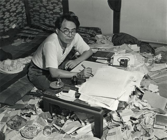 坂口安吾,1946年影像。