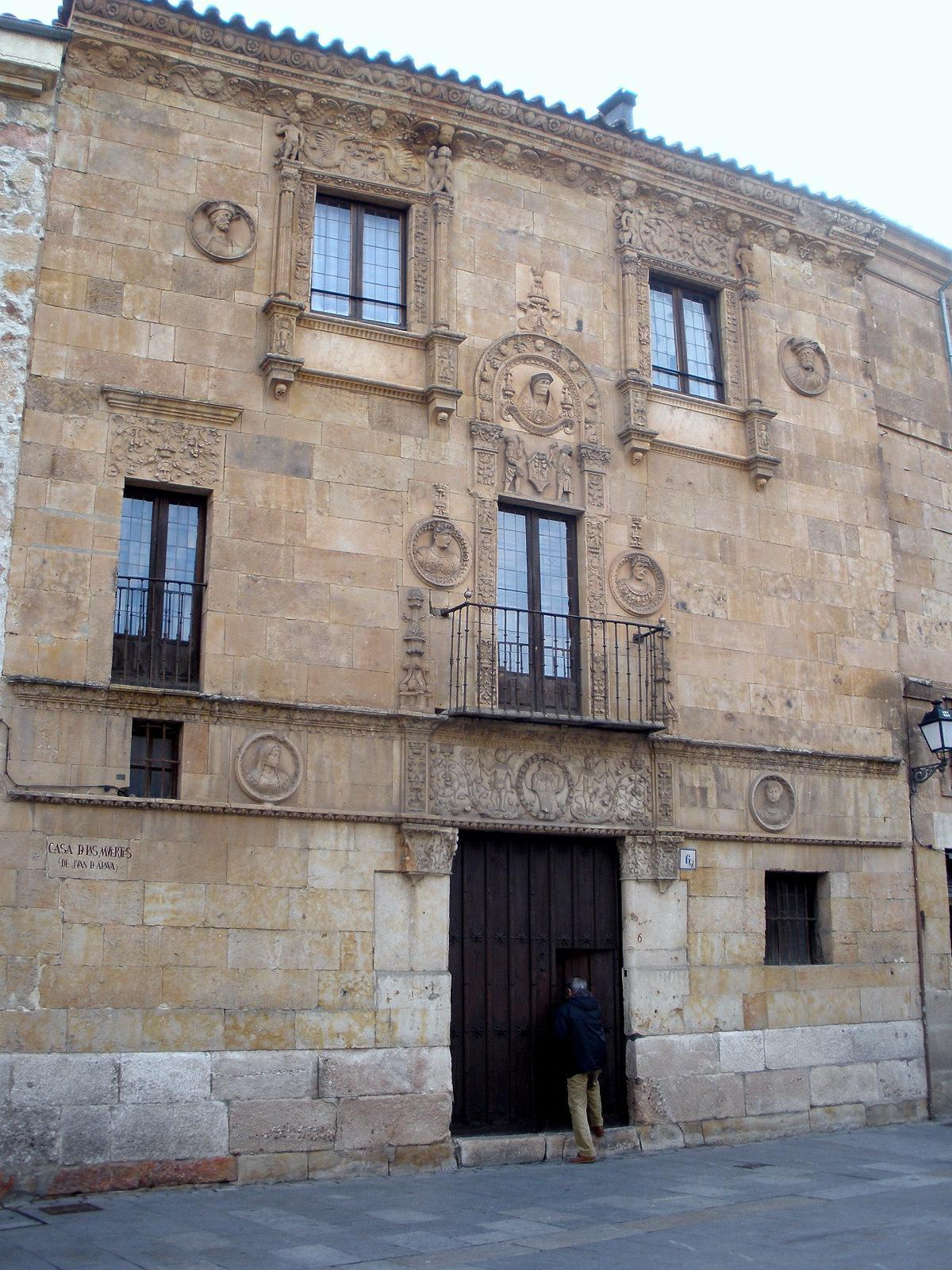 File:Salamanca - Casa de las Muertes 1.jpg