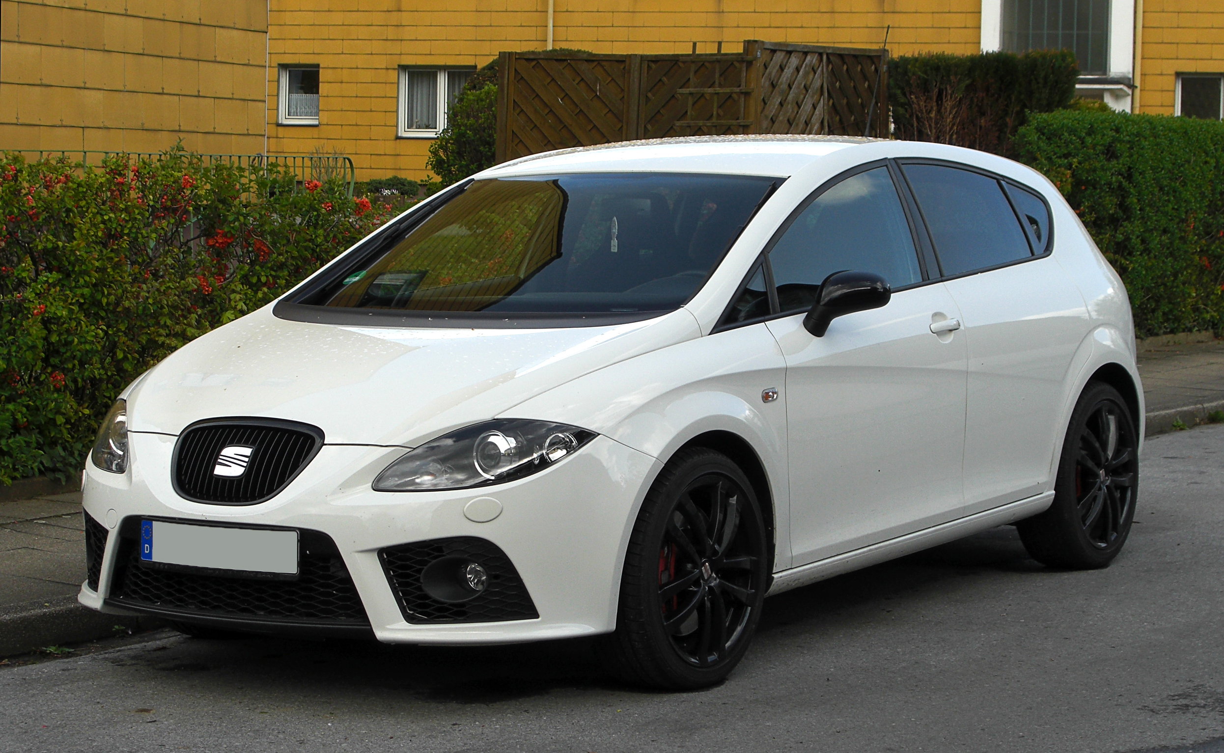 fil seat leon cupra 1p frontansicht 12 april 2011. Black Bedroom Furniture Sets. Home Design Ideas