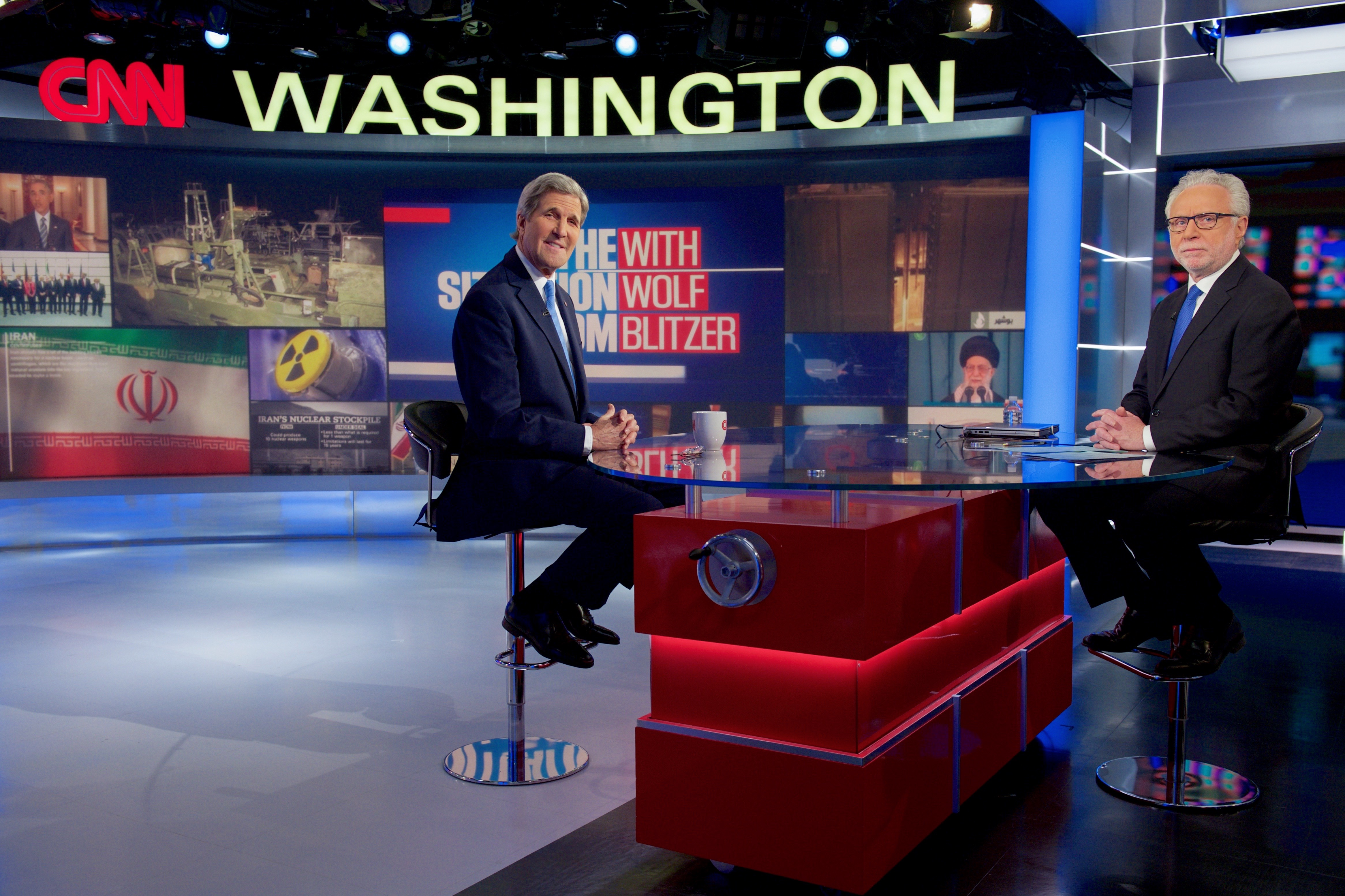 Tập tin:Secretary Kerry Sits With CNN's Blitzer Before Taping