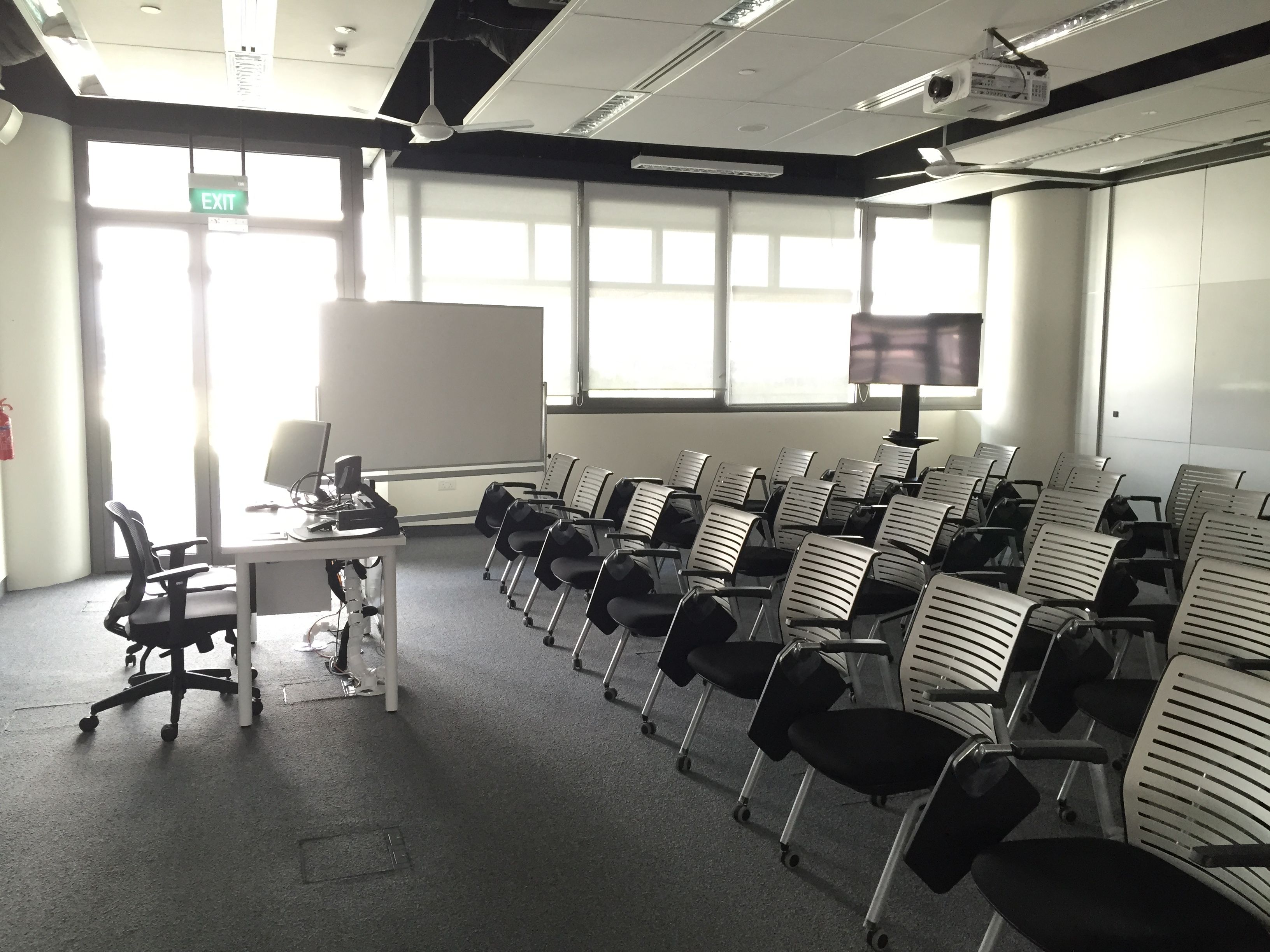 File:Seminar room, Singapore University of Technology and
