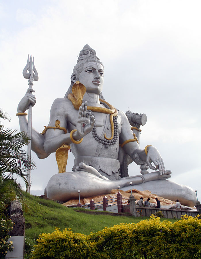[Изображение: Shiva_Statue_Murdeshwara_Temple.jpg]