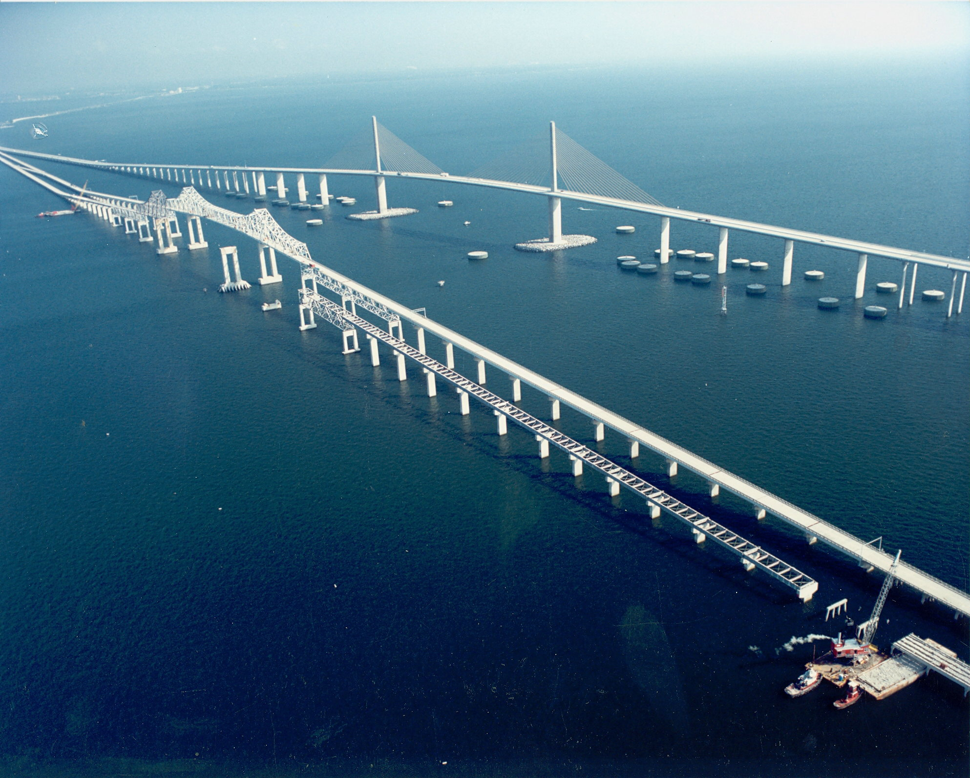 File skyway bridge wikimedia commons for Skyway bridge fishing