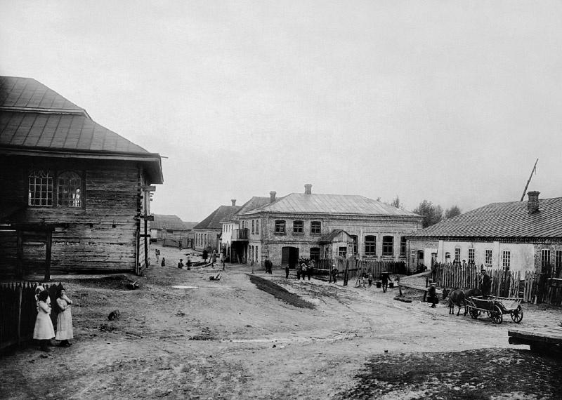 Улица в Олыке в 1912—1914 годах