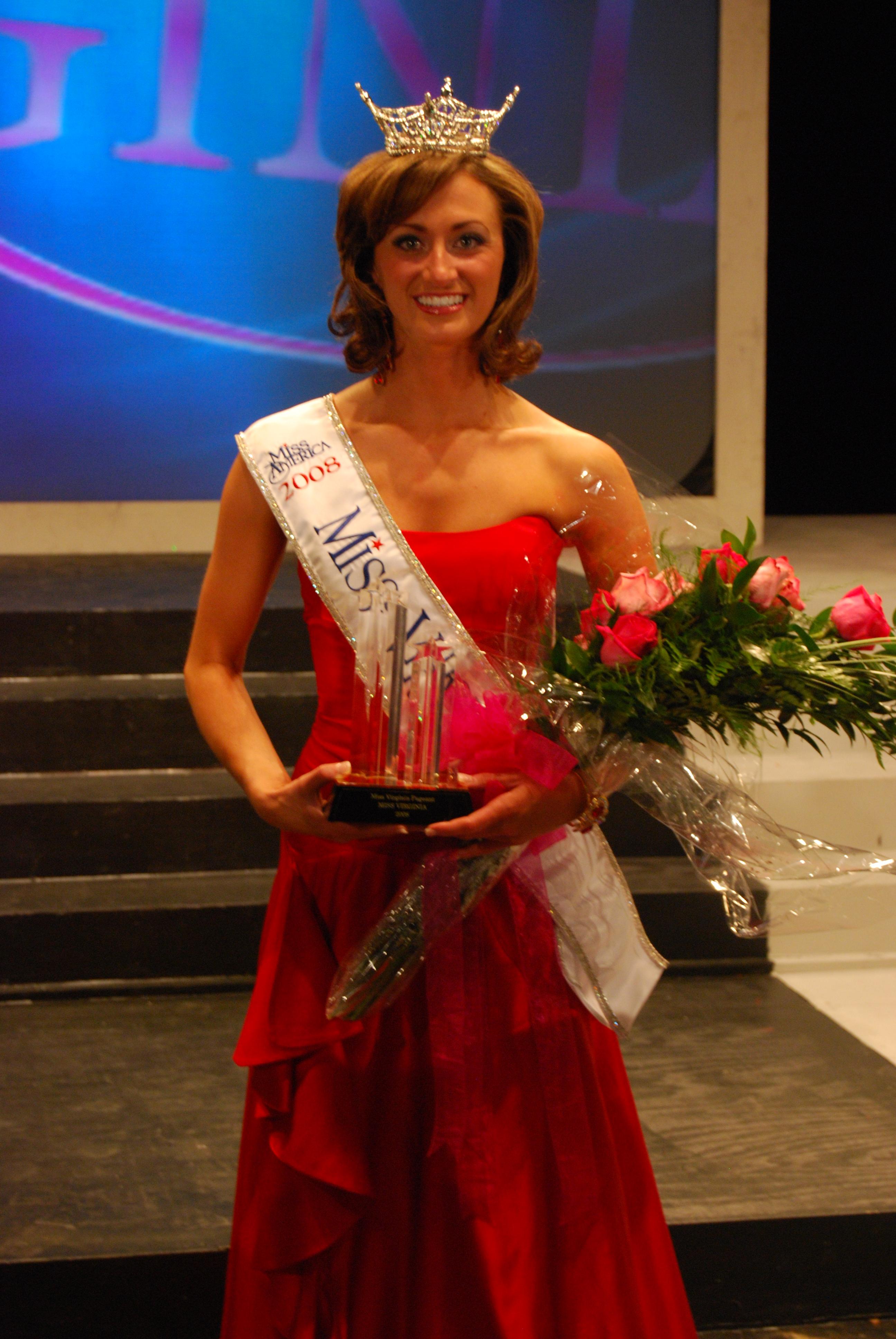 Photo taken shortly after Tara Wheeler was crowned Miss Virginia 2008