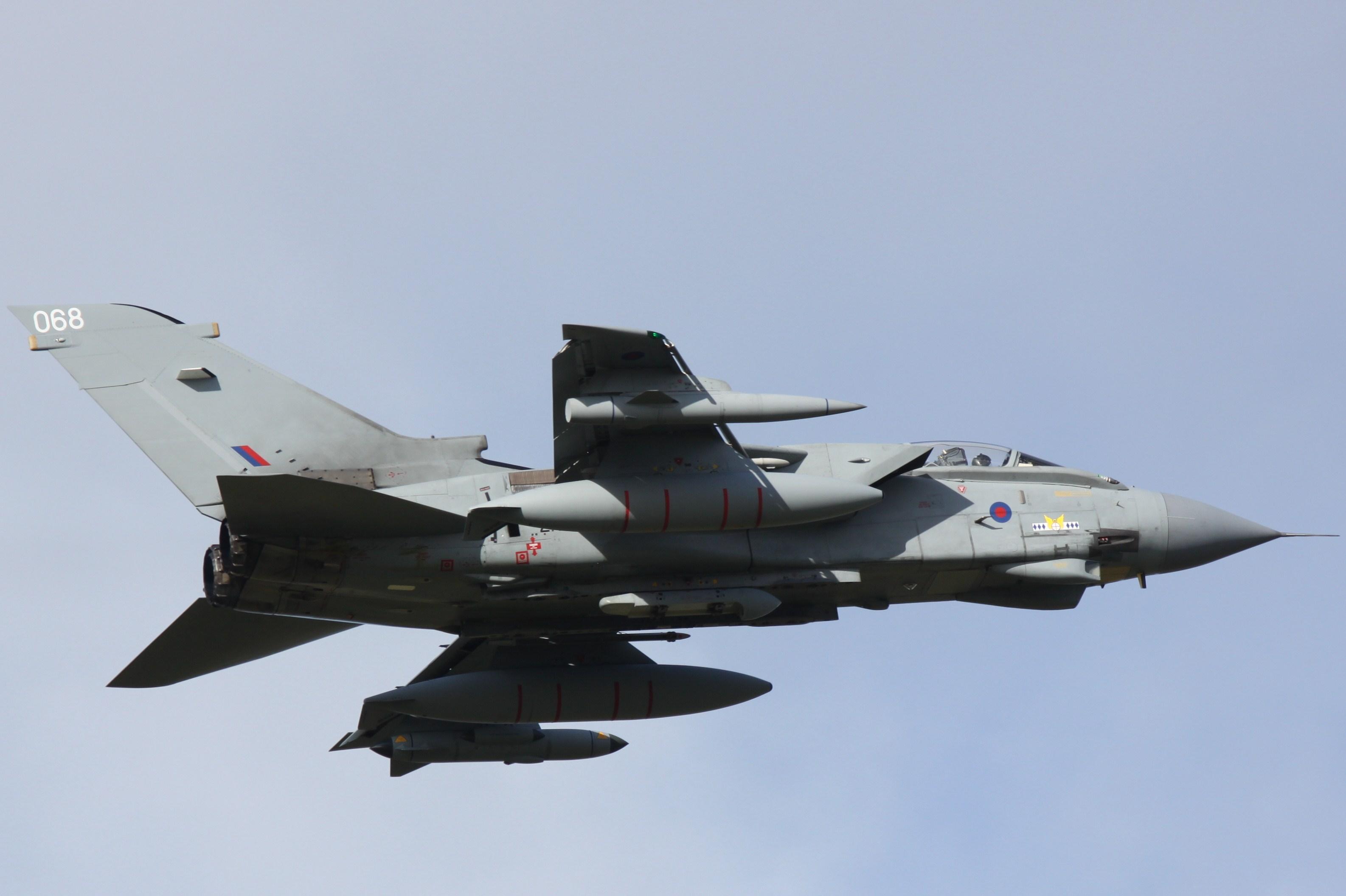 http://upload.wikimedia.org/wikipedia/commons/d/dc/Tornado_GR4_ZA604_086_14_Sqn_marks_(6282513365).jpg