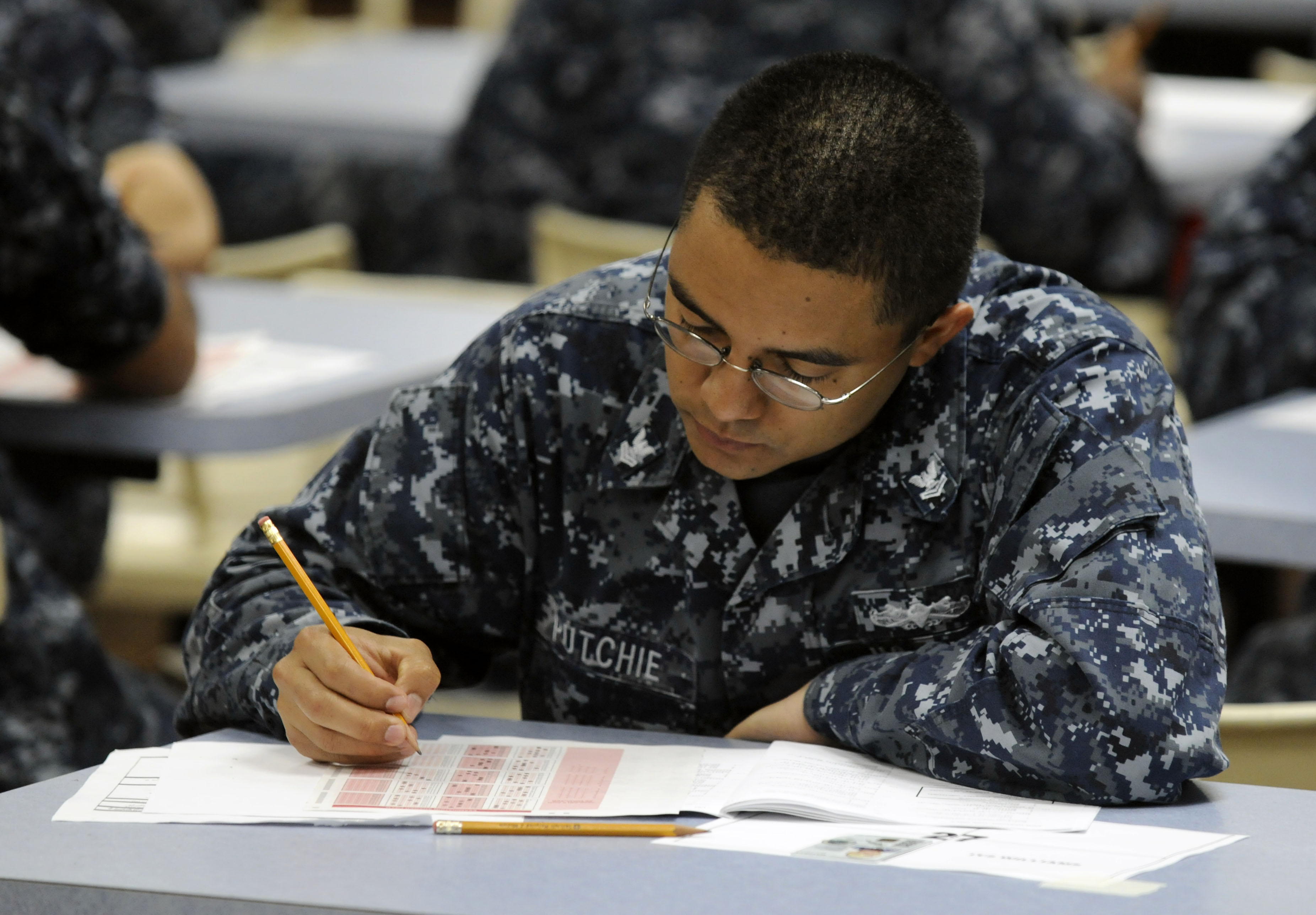 File:US Navy 110901-N-XG305-050 Logistics Specialist 2nd Class ...