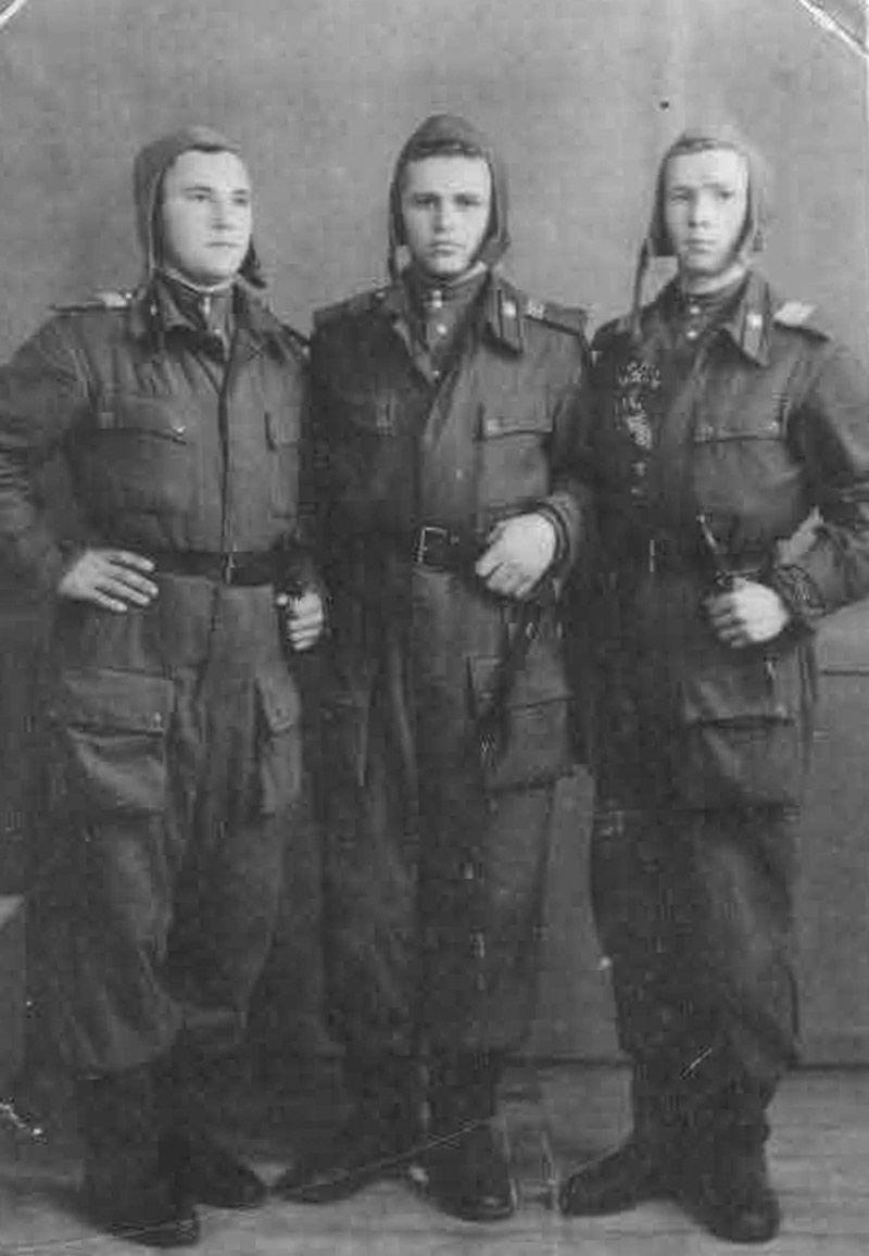 File Ural Volunteer Crew Jpg Wikimedia Commons