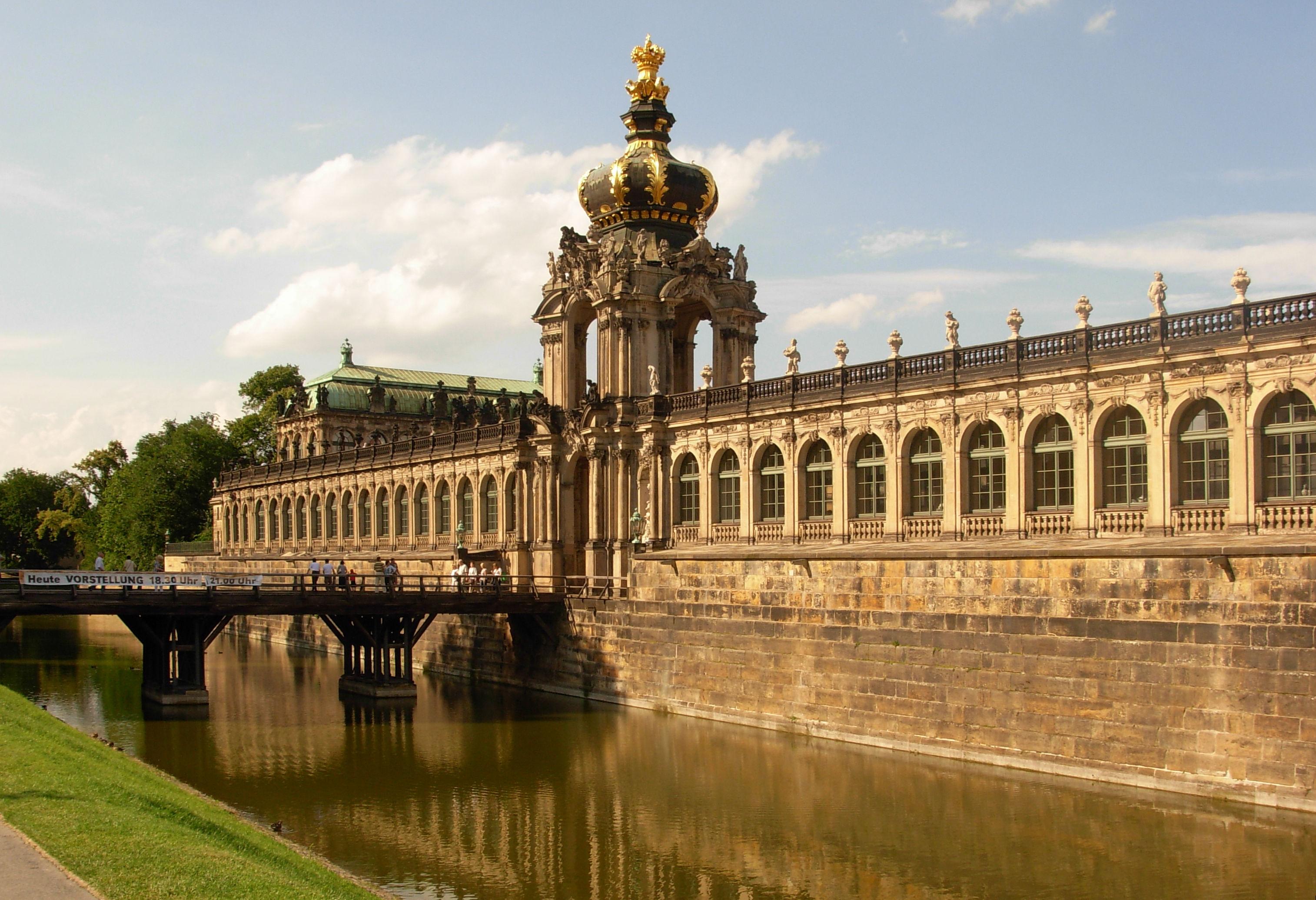 Zwinger dresden wikiwand - Dresden architektur ...