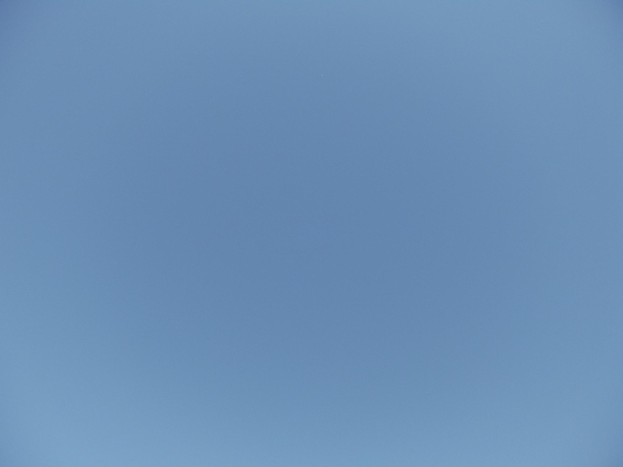 file��������� cloudless blue sky kiyosato japanjpg wikimedia commons