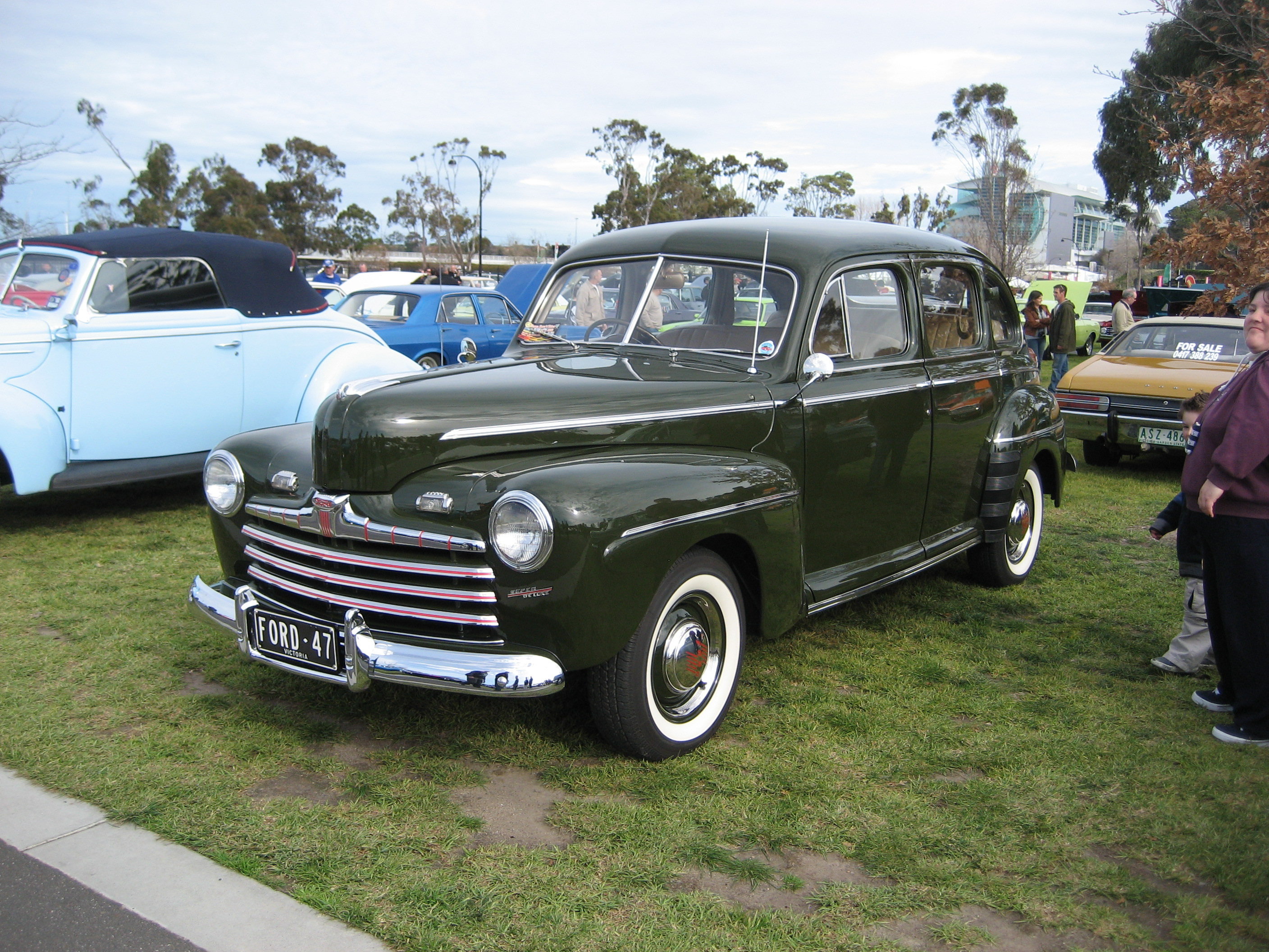 File 1947 Ford Super Deluxe Sedan Jpg