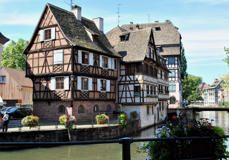 File 5 of 10 la petite france strasbourg for Strasbourg architecture