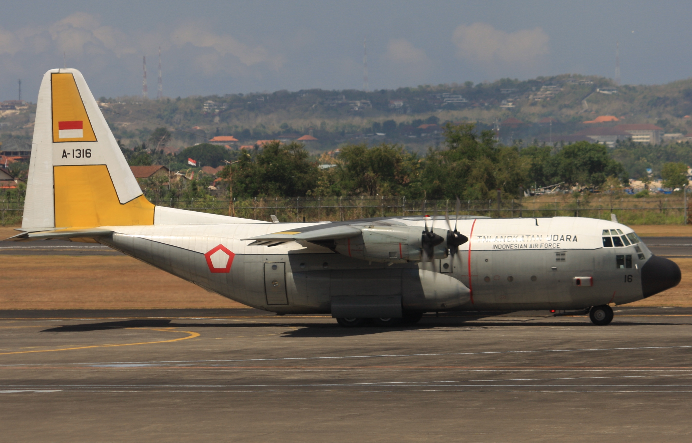 File:A-1316 Lockheed C-130H Hercules (cn 4840) Indonesian Air