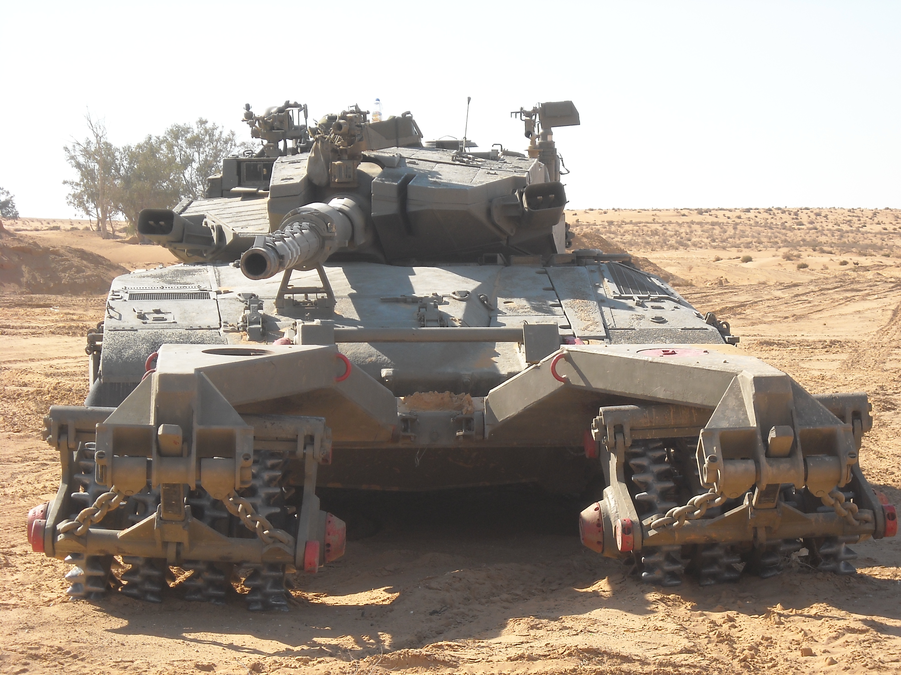 A_merkava_mk3_with_Mine_roller_2.jpg