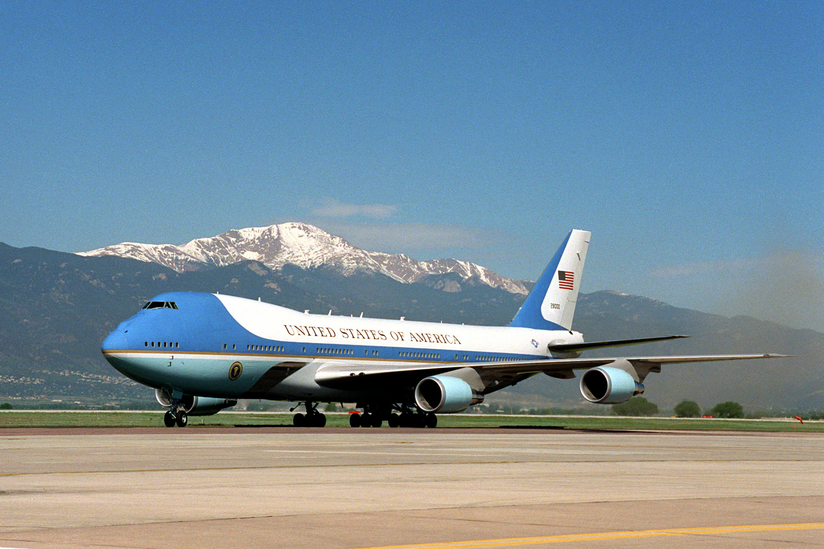 SAM 28000 operando como Air Force One.