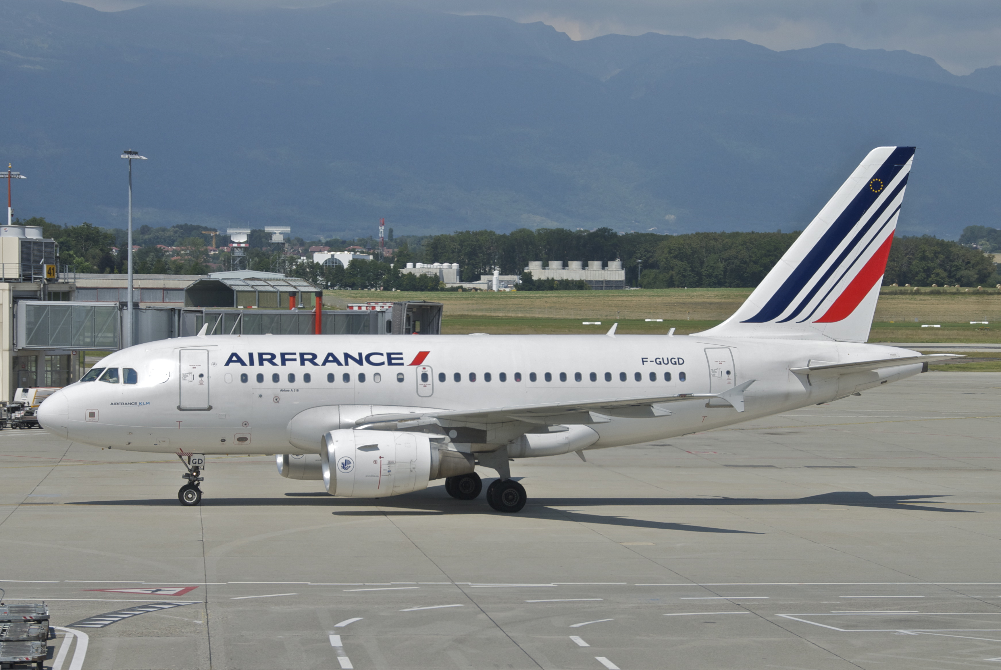 File Air France Airbus A318 111 F Gugd Gva 13 08 2012