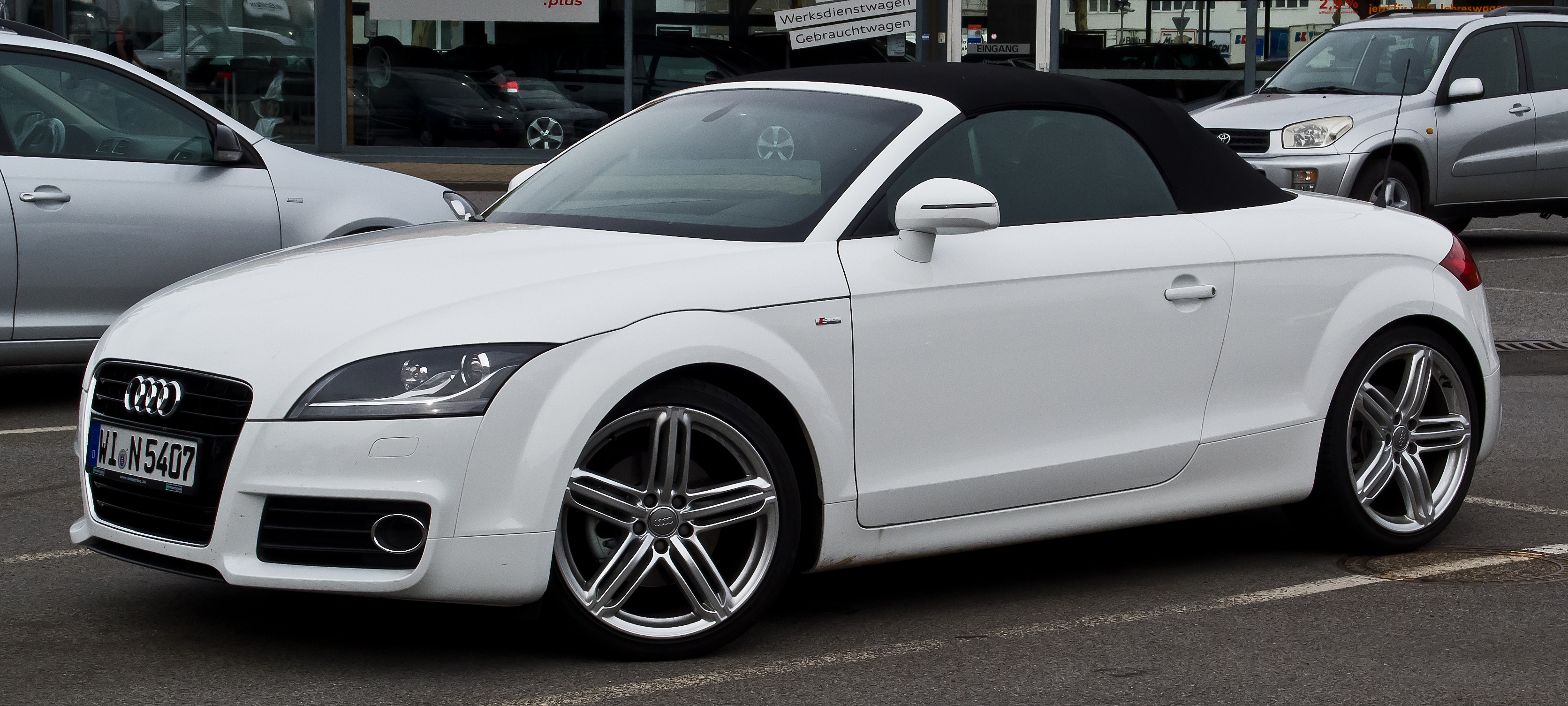 file audi tt roadster 2 0 tfsi s line 8j facelift frontansicht 1 september 2013 m nster. Black Bedroom Furniture Sets. Home Design Ideas