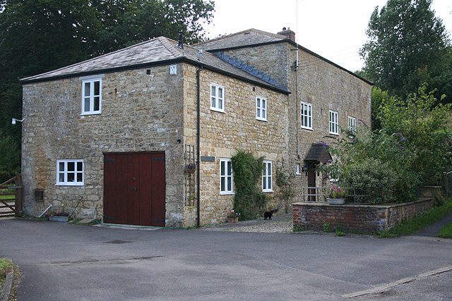Beaminster, converted watermill - geograph.org.uk - 922625