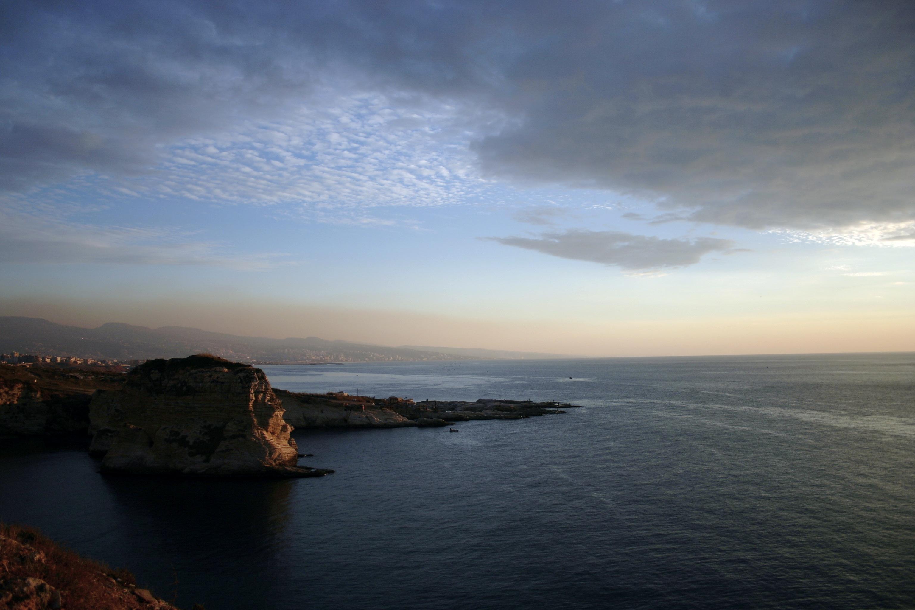 التعريف بلبنان كبلد سياحي المعلومات Beirut_sunset(5).jpg