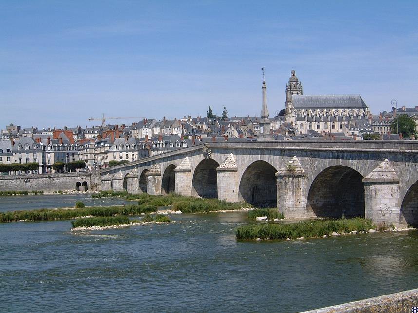 Blois France  city photo : Blois.Loirebruecke.wmt Wikimedia Commons