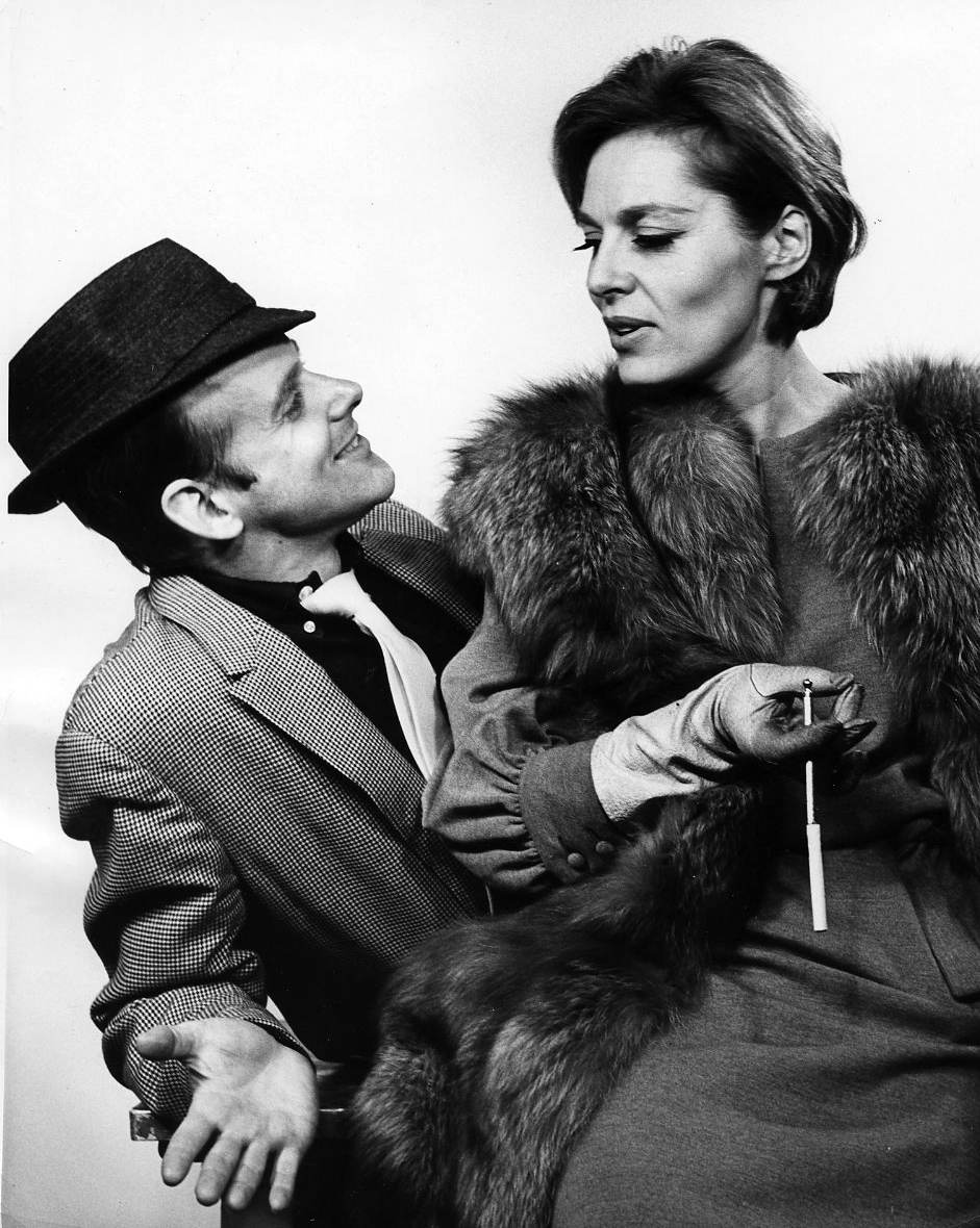 Fosse with [[Viveca Lindfors]] in the musical ''[[Pal Joey (musical)|Pal Joey]]'' (1963)