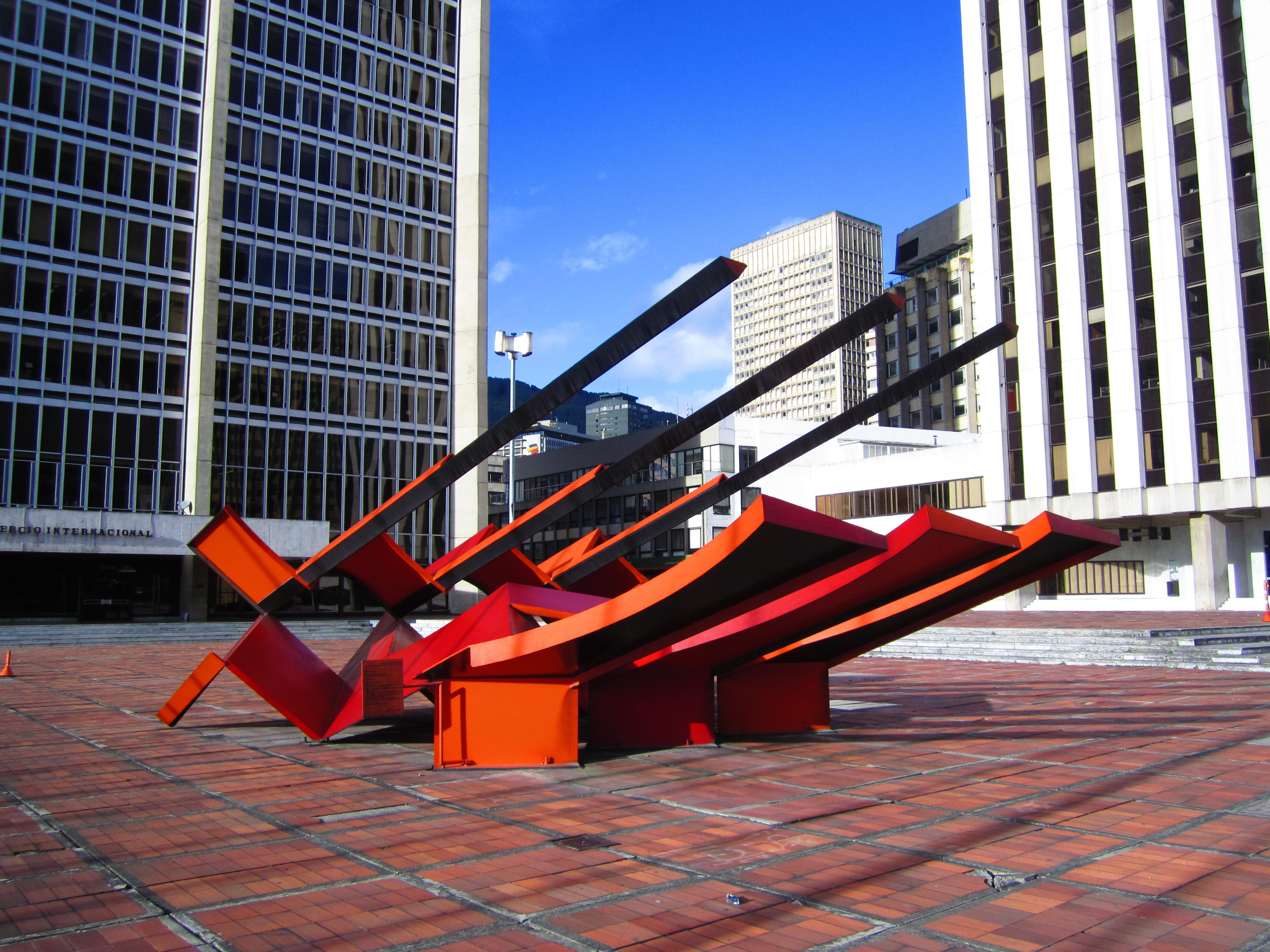 Archivo:Bogotá Ramírez Villamizar escultura Nave Espacial.JPG ...
