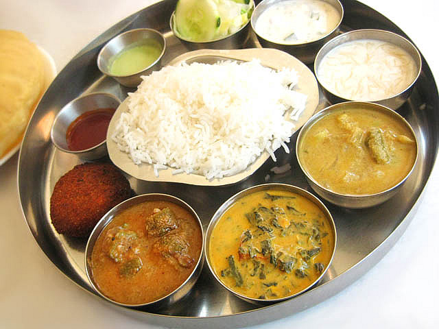 File bombay thali tamil nadu wikimedia commons for Aharam traditional cuisine of tamil nadu