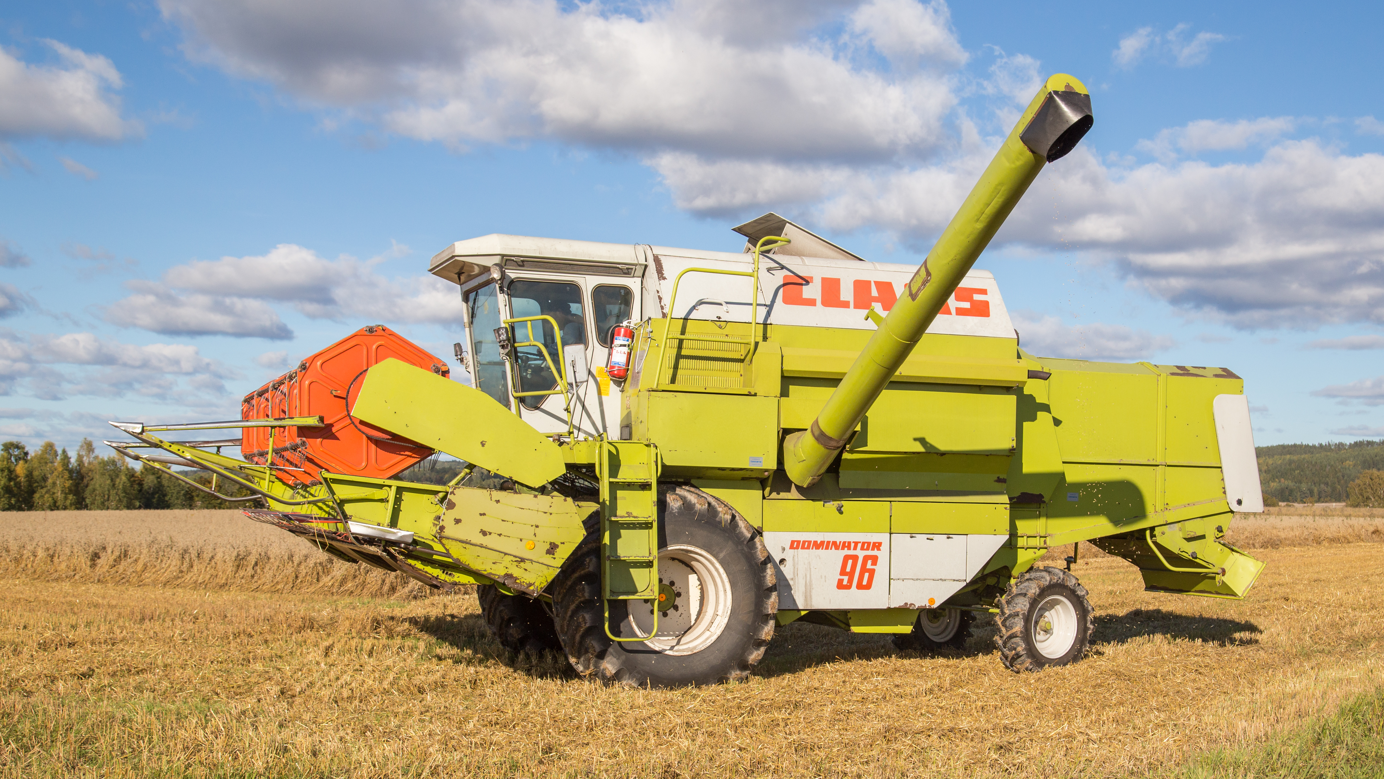 file claas dominator 96 v sterby 04 jpg wikimedia commons rh commons wikimedia org