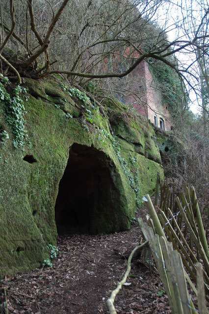 File Cave And Abandoned Dwelling Kinver Edge Geograph