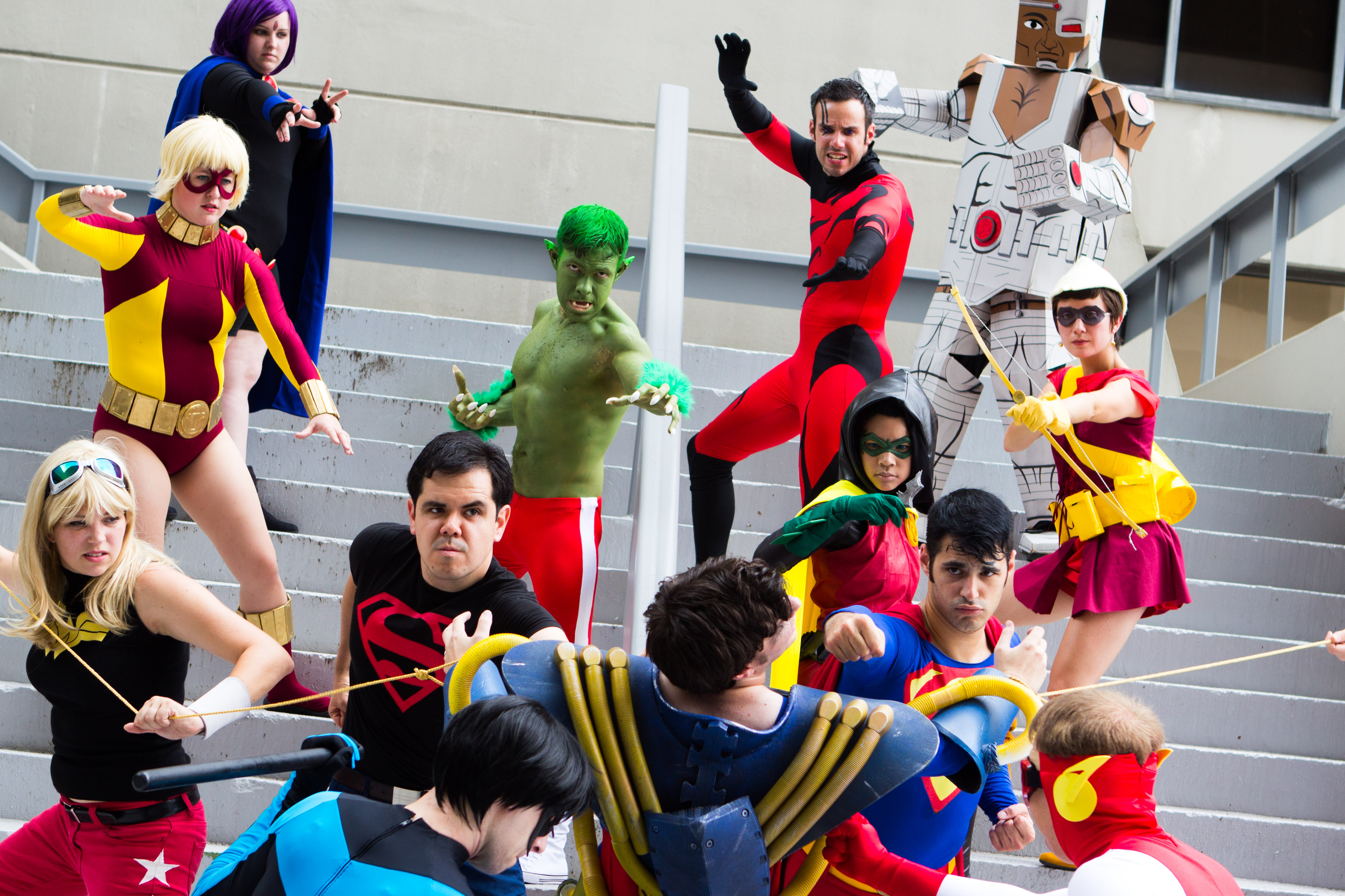 File:Dragon Con 2013 - Teen Titans vs Superboy Prime (9697038194).jpg - Wikimedia Commons