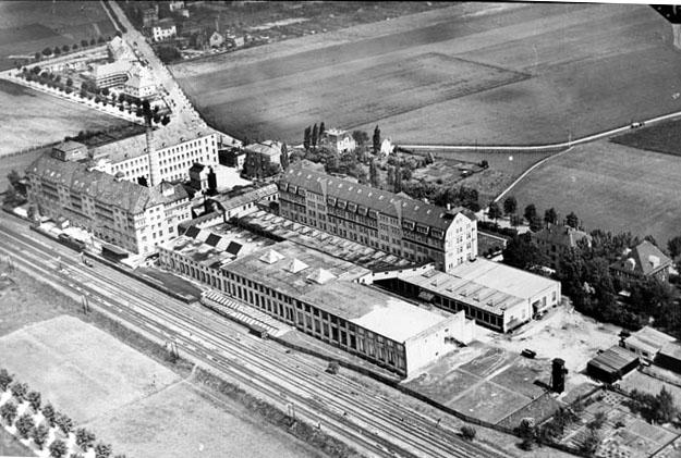 File:Dresden Dobritz Dresdner Gardinen  und Spitzenmanufaktur 00