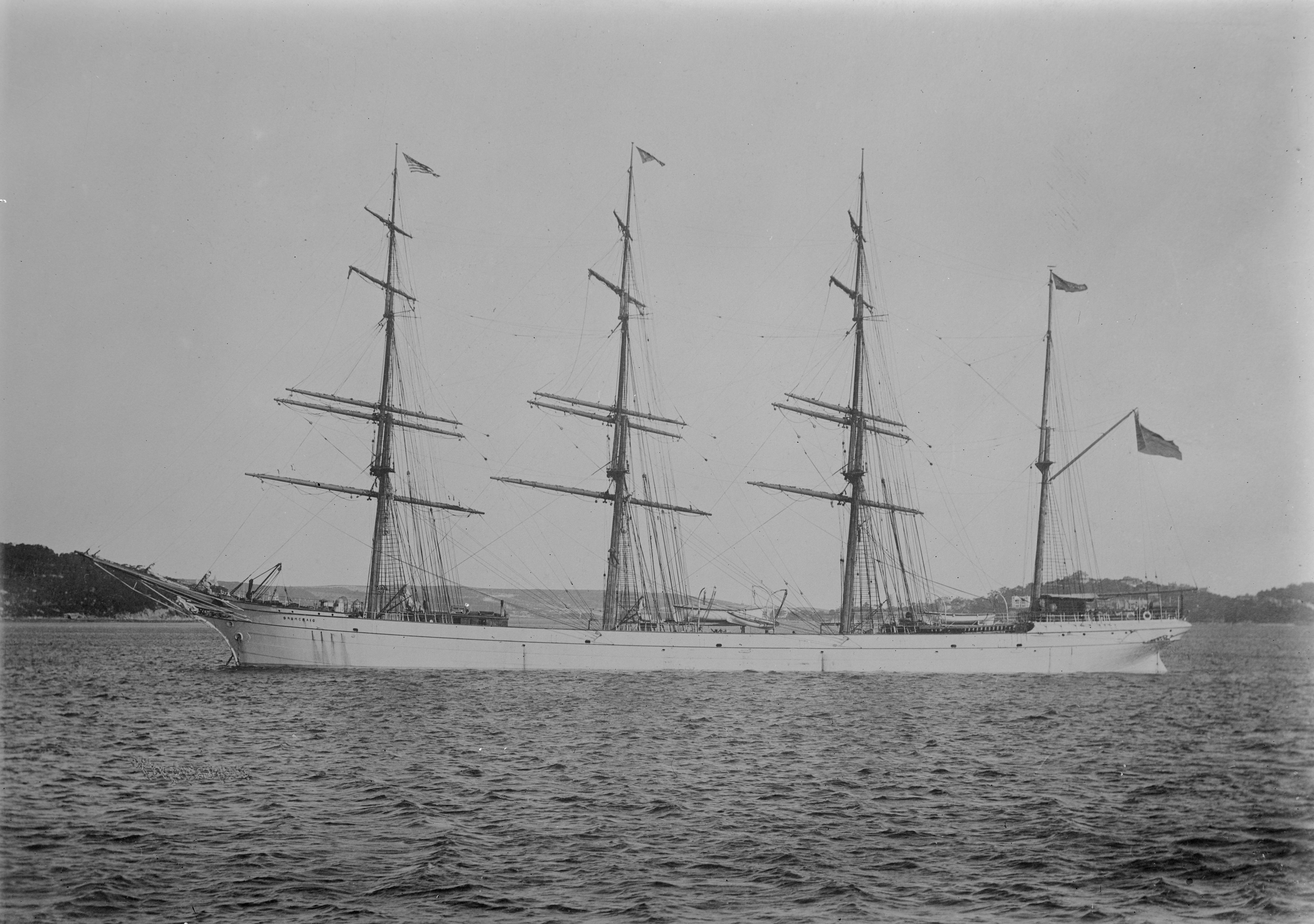 Drumcraig_(ship,_1885)_-_SLV_H91.250-227.jpg