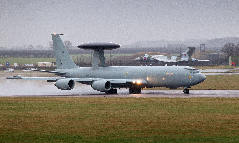 File:E-3D Sentry Aircraft Lands at RAF