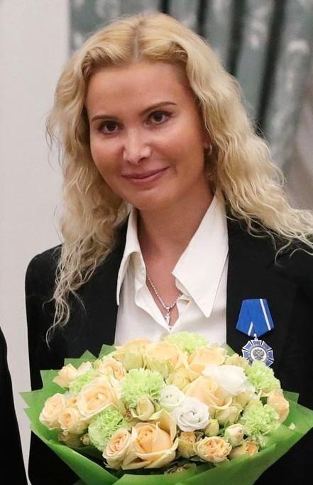 Image result for alena kostornaia with coach eteri tutberidze