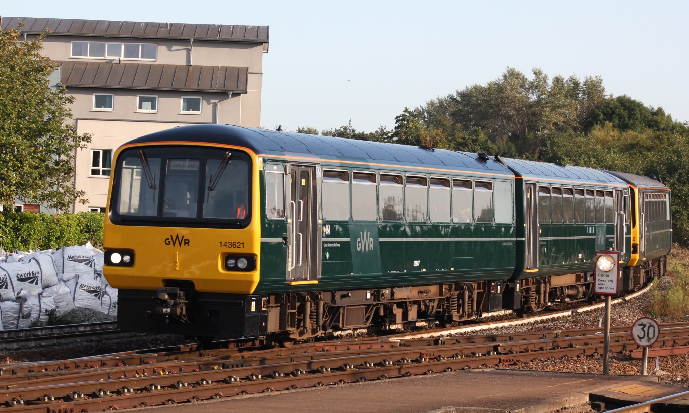 File Exeter St Davids Gwr 143621 143612 Arriving From Exmouth Jpg