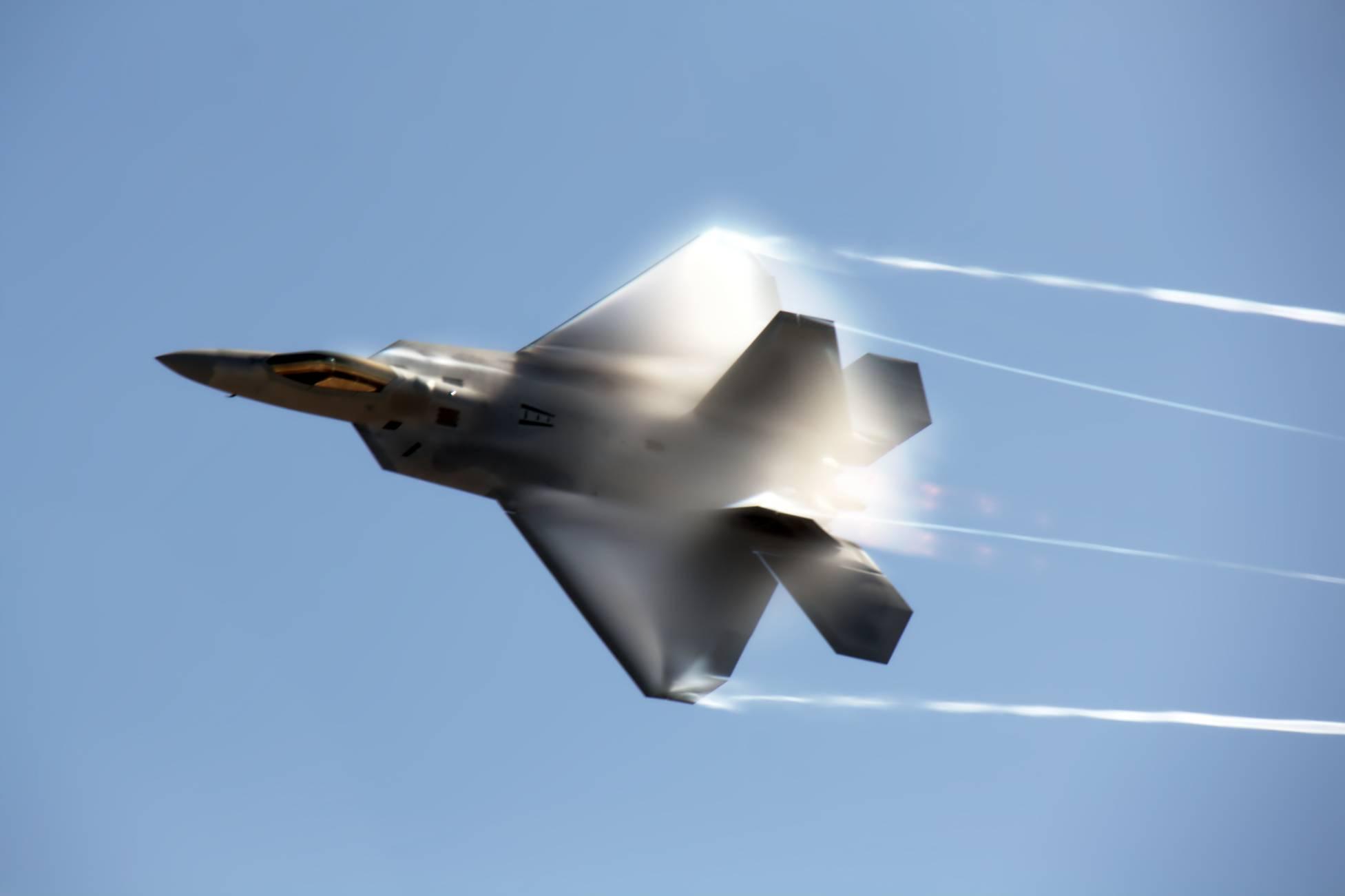���!�f_传说中的空中无敌猛禽-f-22隐形战斗机