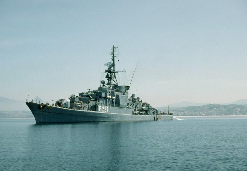 F221 Fregatte Emden
