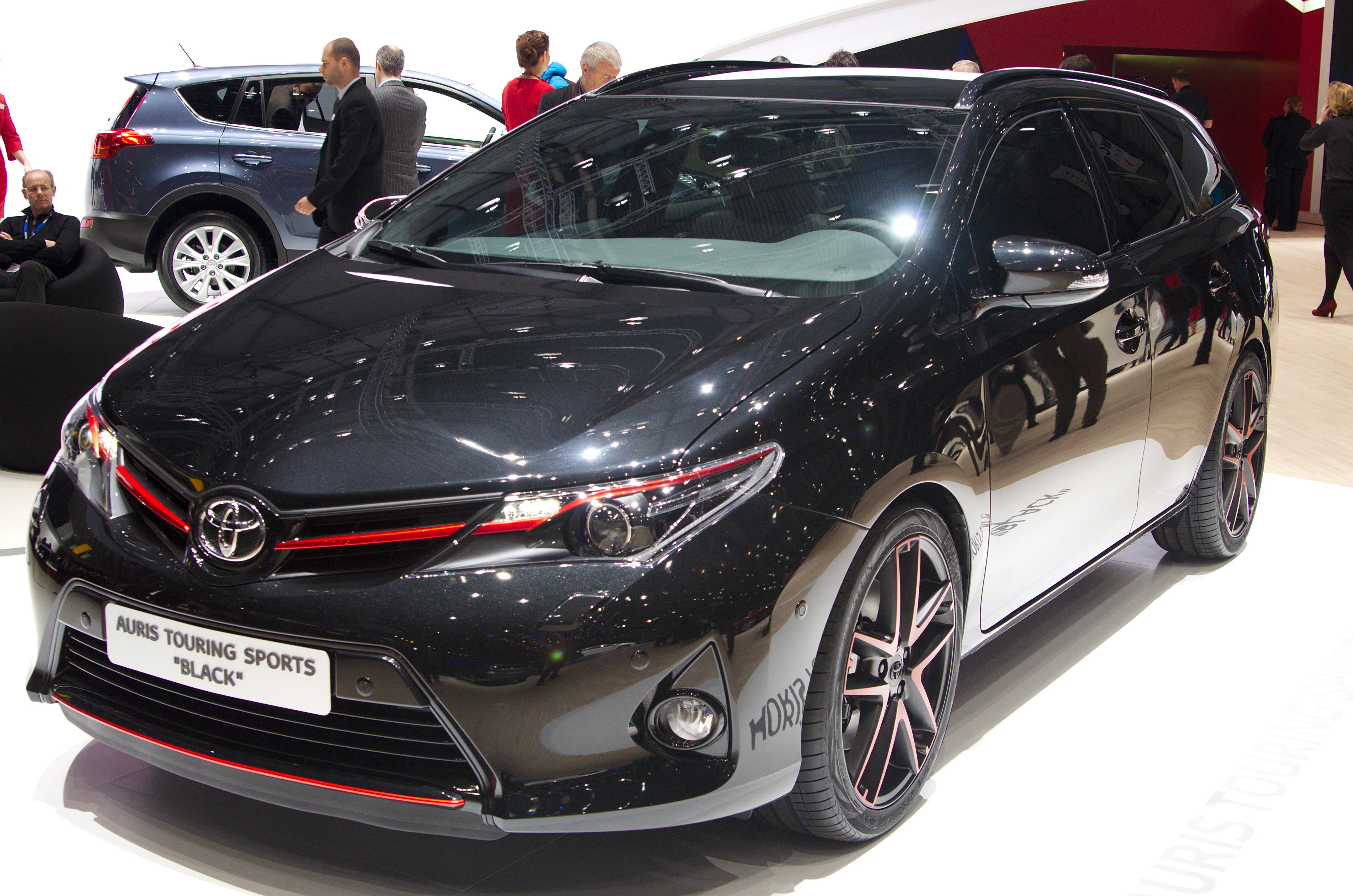File Geneva Motorshow 2017 Toyota Auris Touring Sports Black Jpg