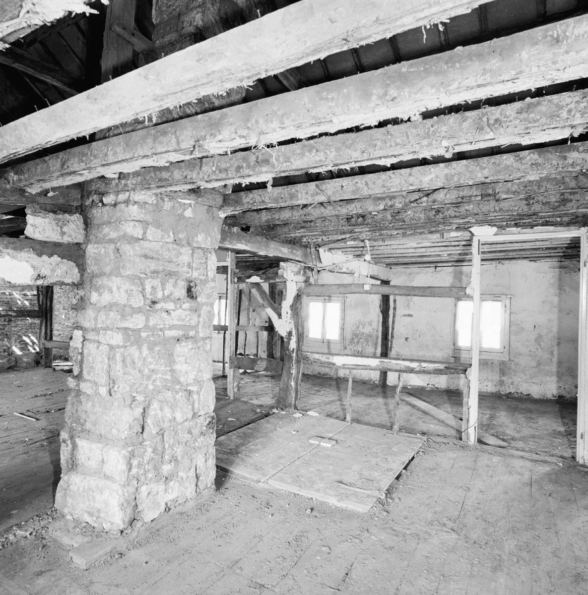File interieur eerste verdieping overzicht naar het for Interieur mechelen