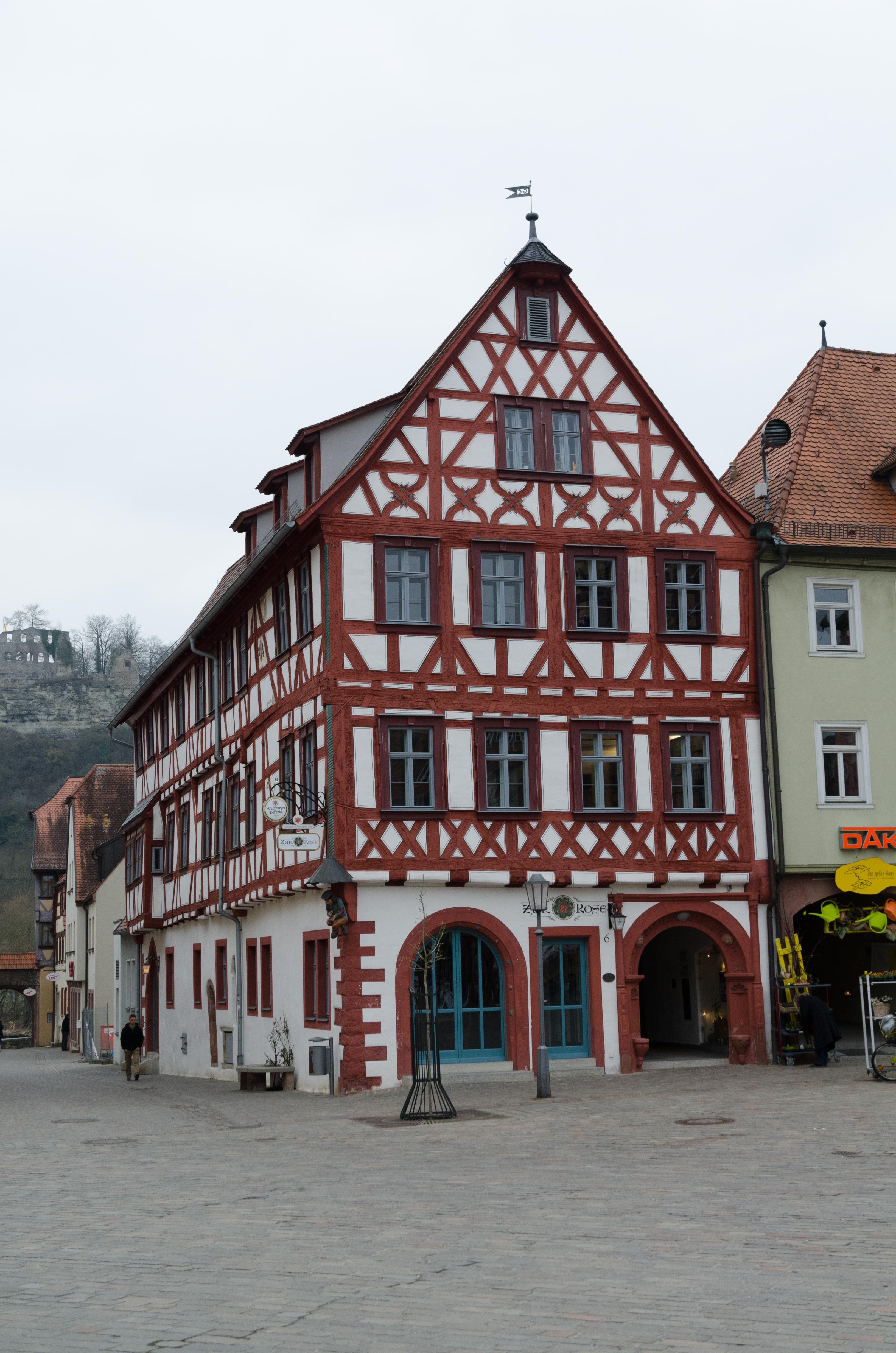single karlstadt