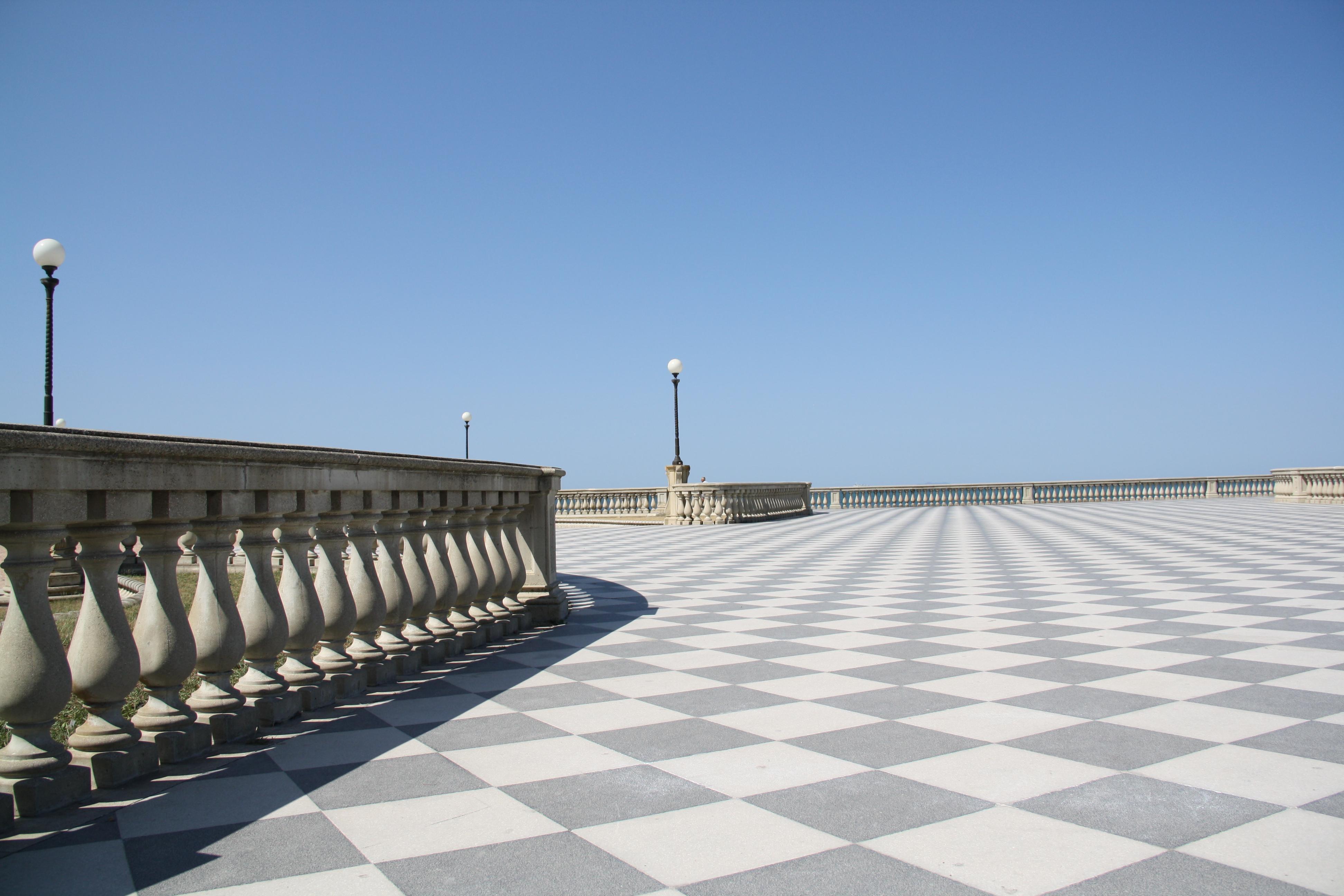 File:Livorno Terrazza Mascagni 12 @chesi.JPG - Wikimedia Commons