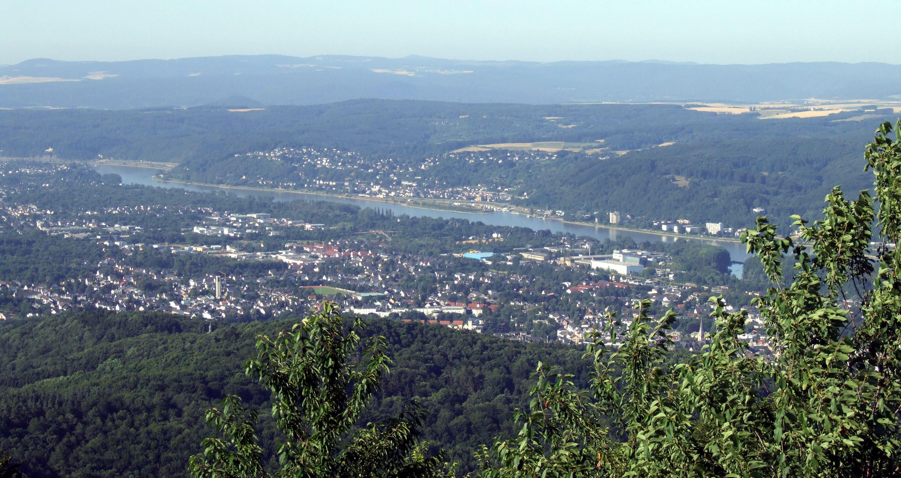 Loewenburgblick Oberwinter.jpg