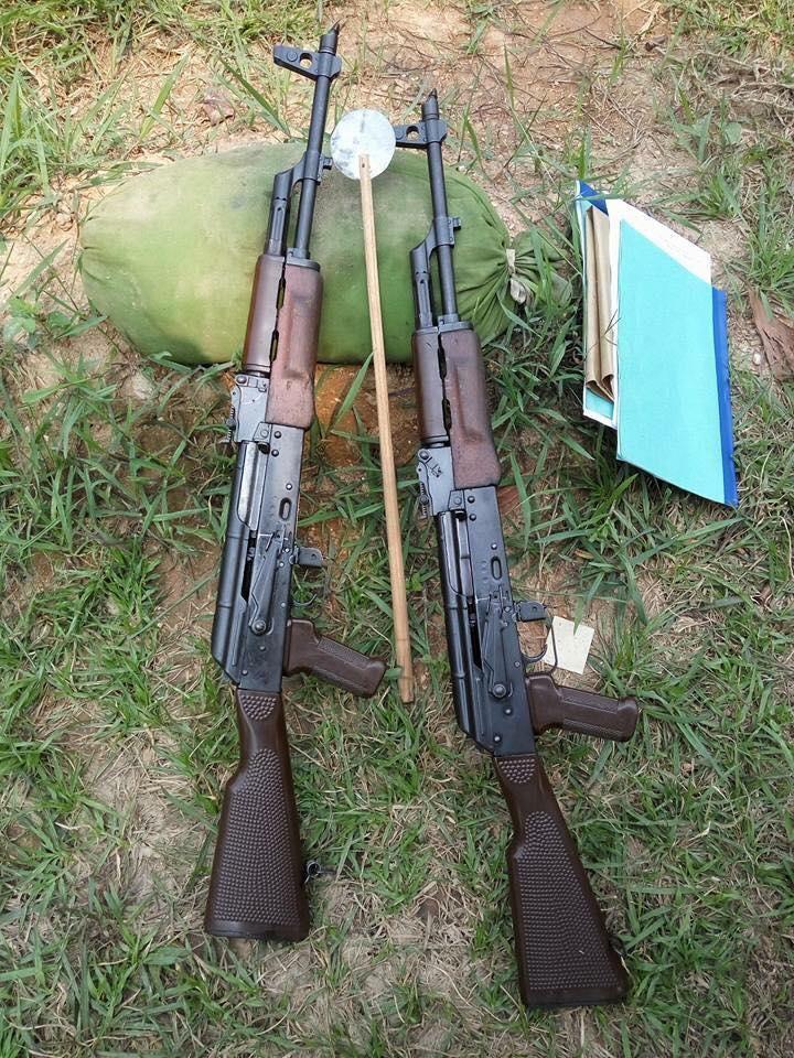 MPi-KM, phiên bản AKM do Đông Đức sản xuất được sử dụng nhằm mục đích huấn  luyện trong Quân đội Nhân dân Việt Nam.