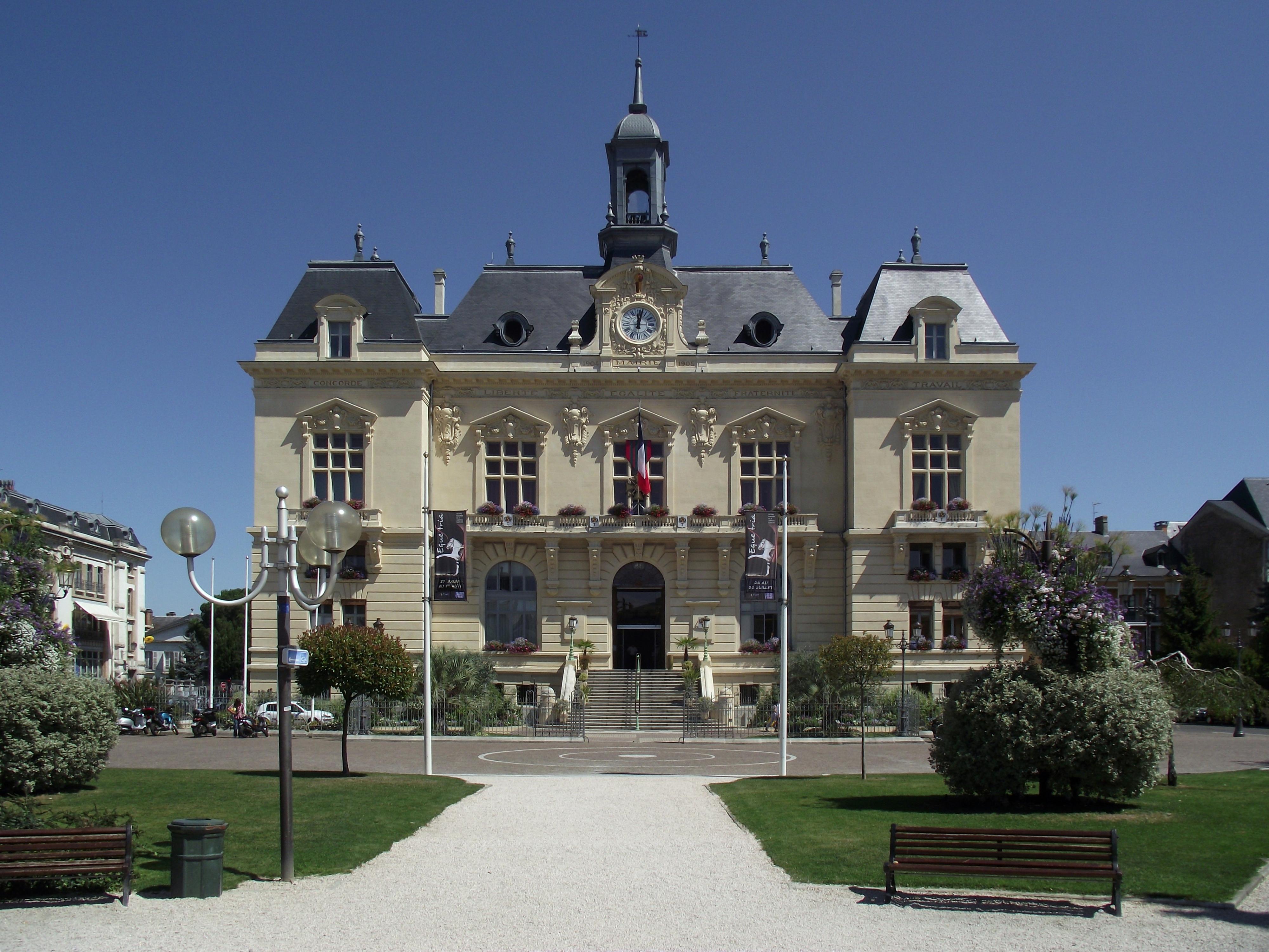 Tarbes France  city photos : Fichier:Mairie de Tarbes Hautes Pyrénées, France ...