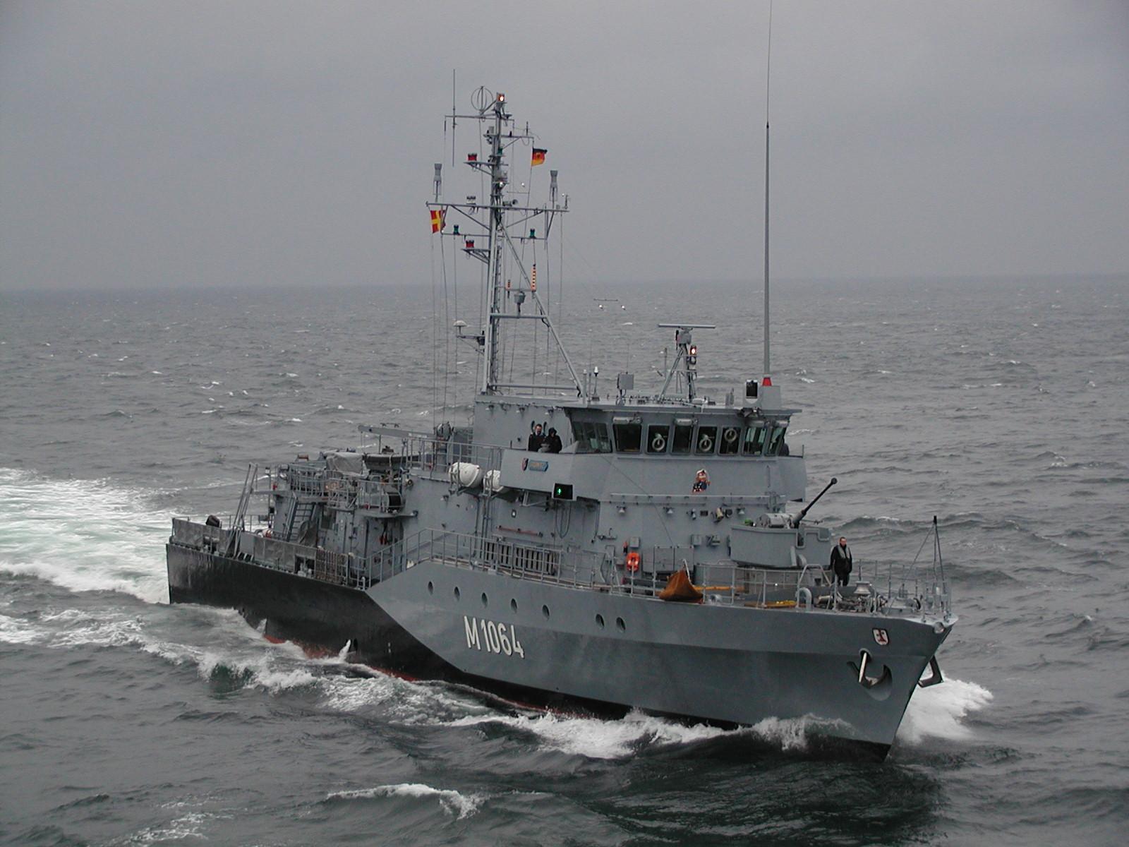 الصفقات العسكرية العربية بالكامل من ( 2004 : 2013 )  Minenjagdboot_Gr%C3%B6mitz