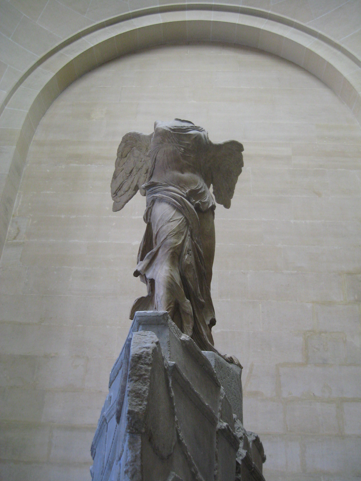Interesting facts about the Winged Victory of Samothrace