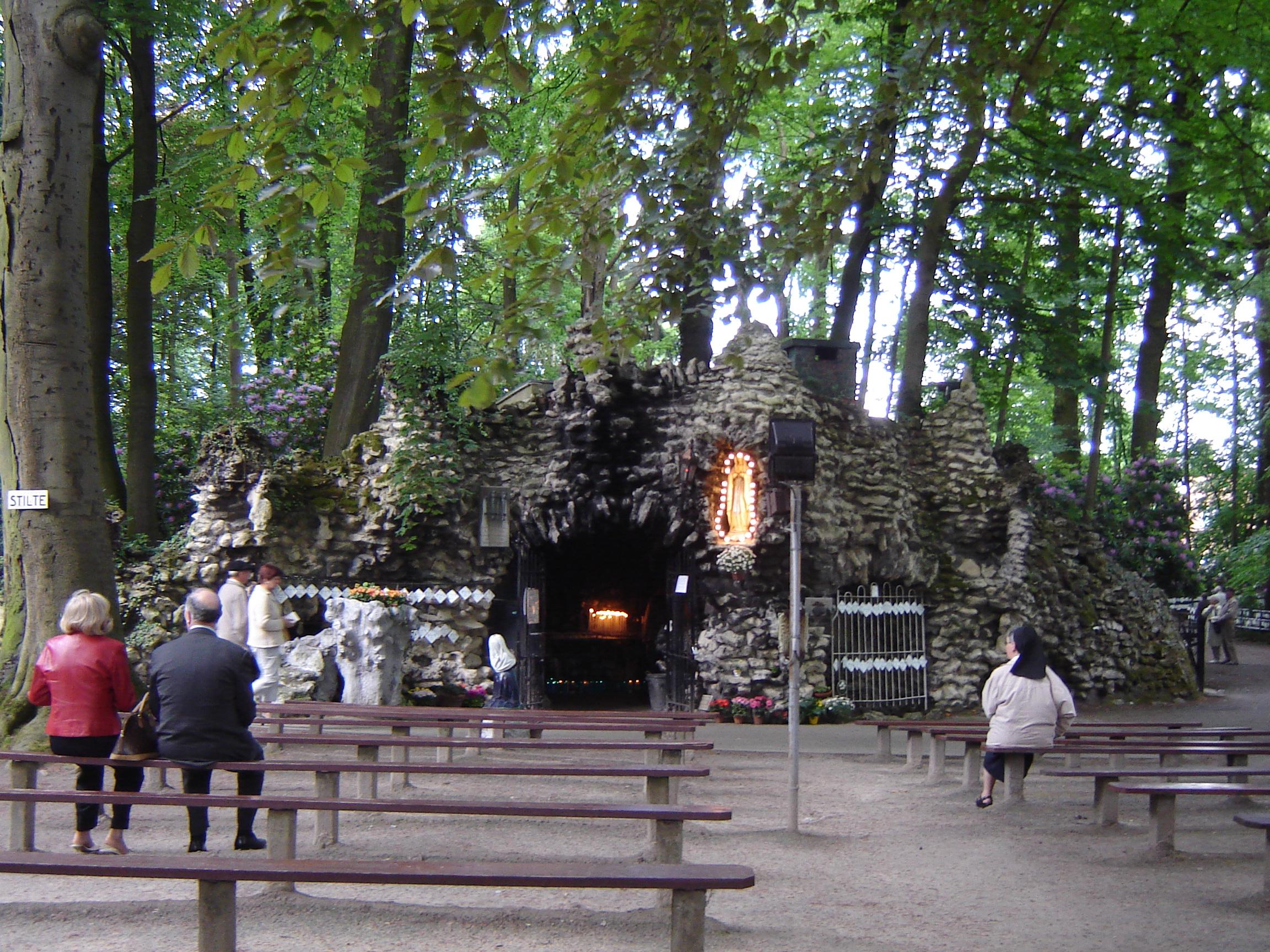 Beschrijving Oostakker - Mariagrot Oostakker-Lourdes 1.jpg
