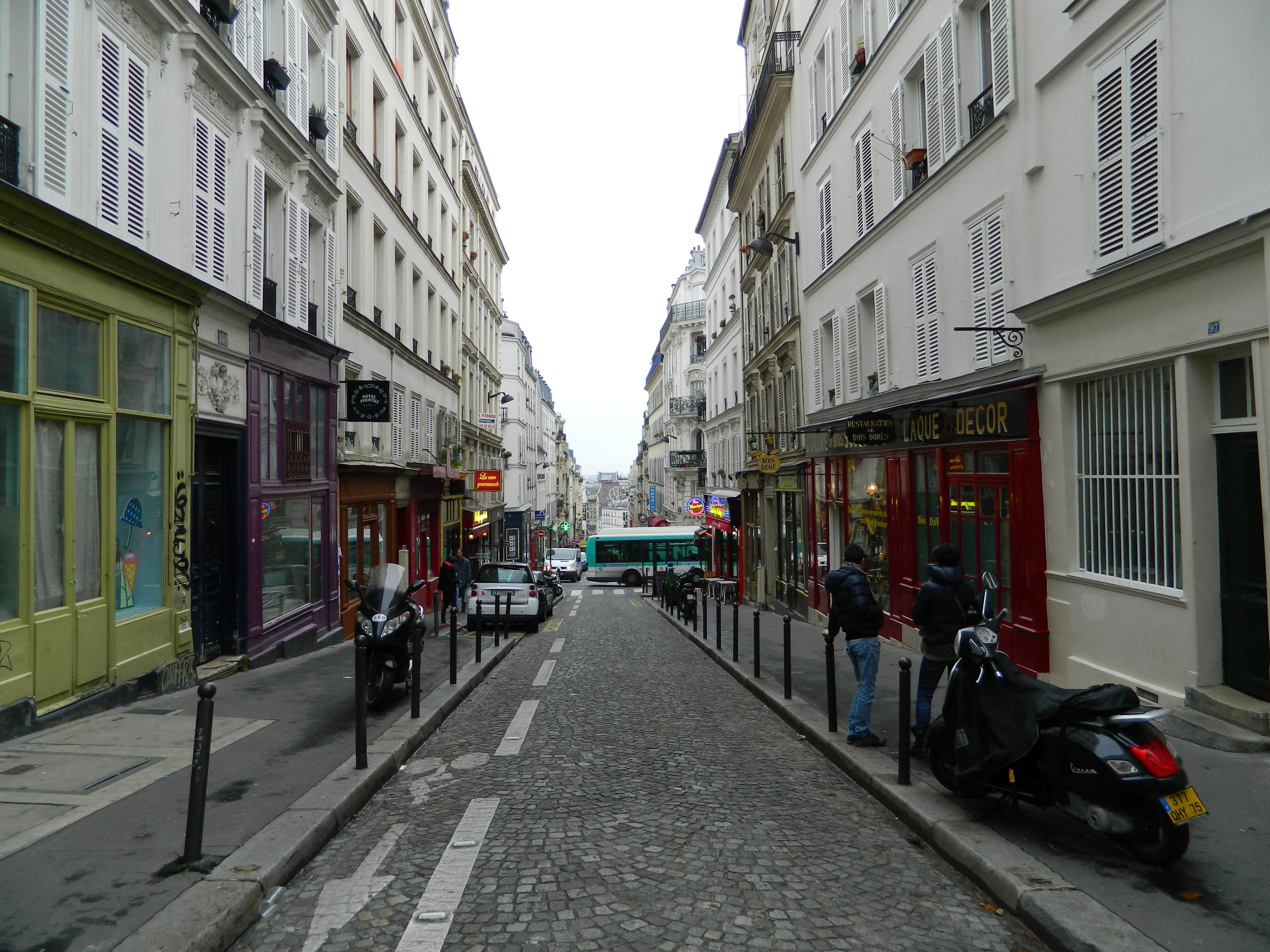 File paris 75018 rue des martyrs no 095 atelier boutique for Miroir rue des martyrs