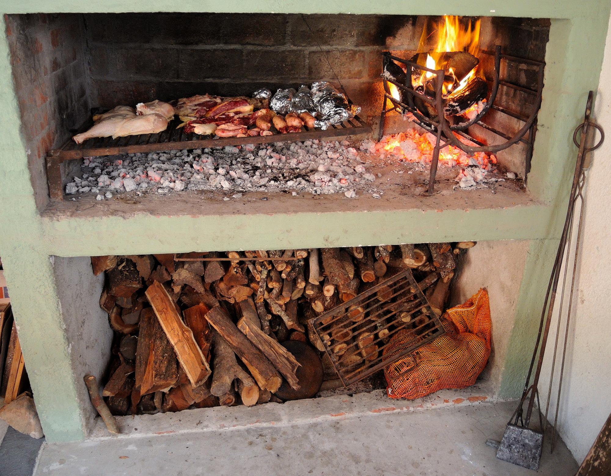 File parrillero wikimedia commons for Planos para cocina de lena