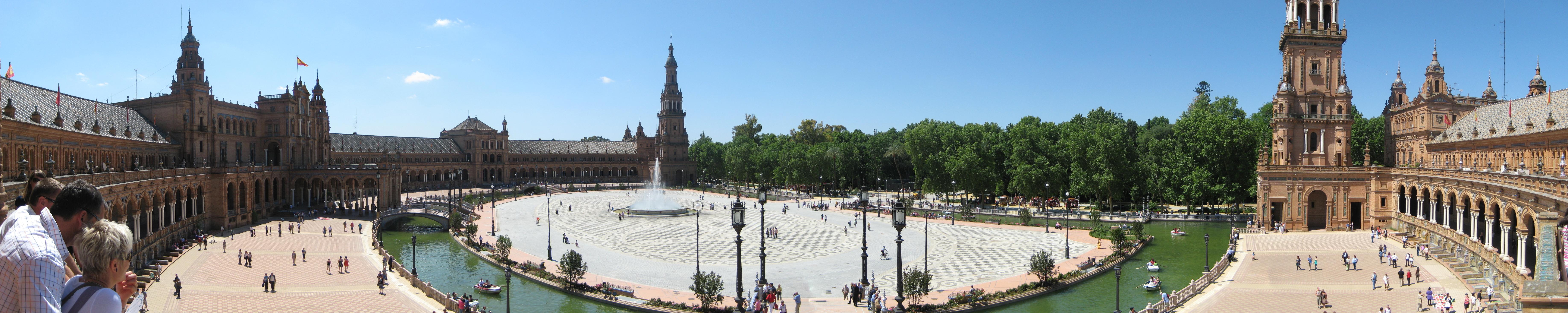 https://upload.wikimedia.org/wikipedia/commons/d/dd/Plaza_de_Espana_-_Sevilla.jpg